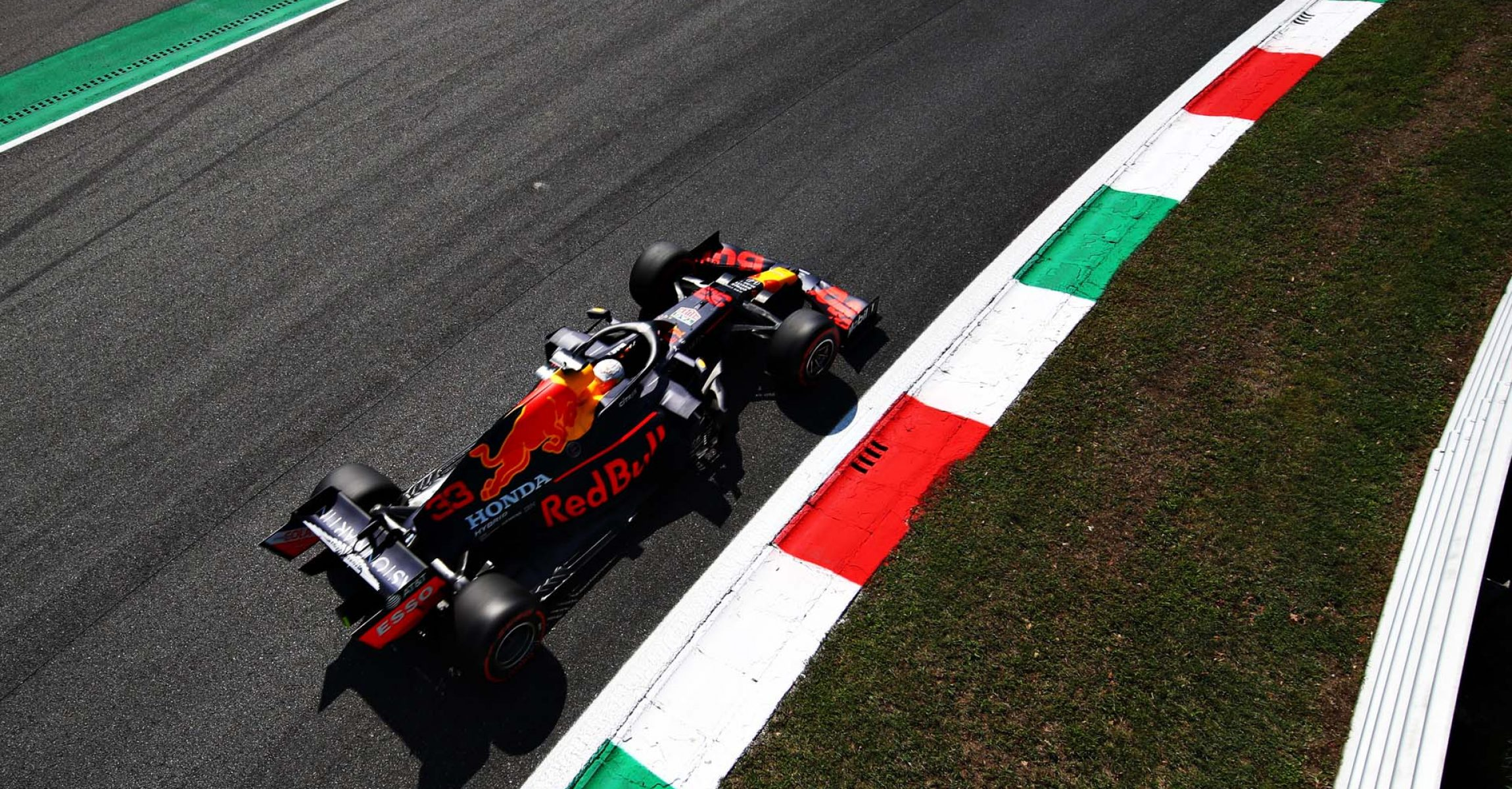 MONZA, ITALY - SEPTEMBER 05: Max Verstappen of the Netherlands driving the (33) Aston Martin Red Bull Racing RB16 during final practice for the F1 Grand Prix of Italy at Autodromo di Monza on September 05, 2020 in Monza, Italy. (Photo by Mark Thompson/Getty Images)