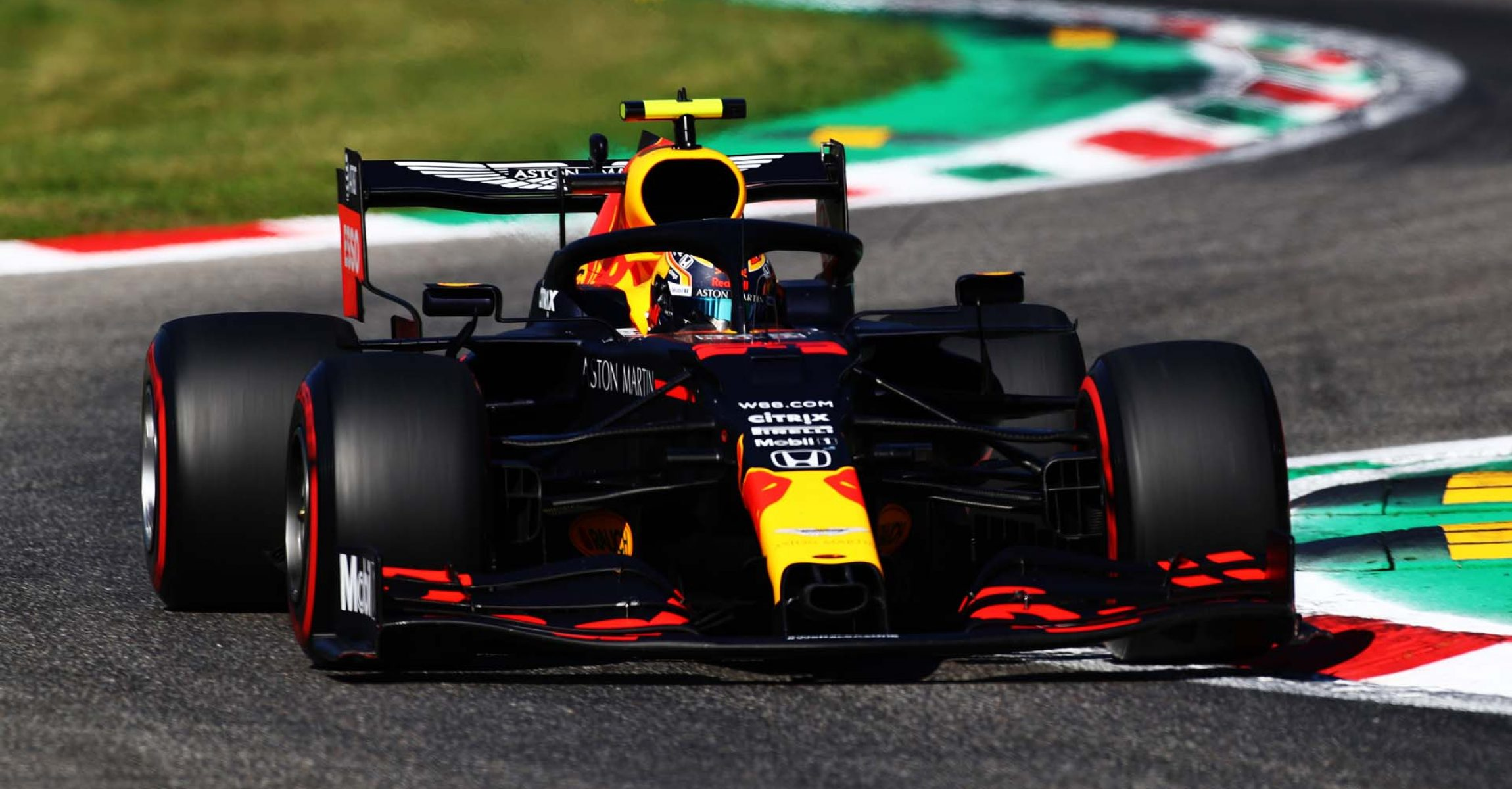MONZA, ITALY - SEPTEMBER 05: Alexander Albon of Thailand driving the (23) Aston Martin Red Bull Racing RB16 on track during qualifying for the F1 Grand Prix of Italy at Autodromo di Monza on September 05, 2020 in Monza, Italy. (Photo by Mark Thompson/Getty Images)