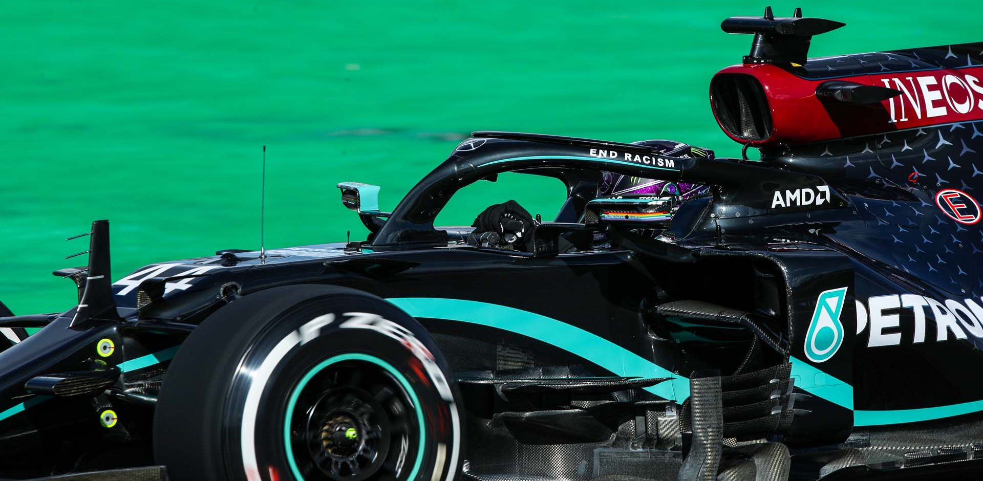 ALGARVE INTERNATIONAL CIRCUIT, PORTUGAL - OCTOBER 23: Lewis Hamilton, Mercedes F1 W11 EQ Performance during the Portuguese GP at Algarve International Circuit on Friday October 23, 2020, Portugal. (Photo by Charles Coates / LAT Images)