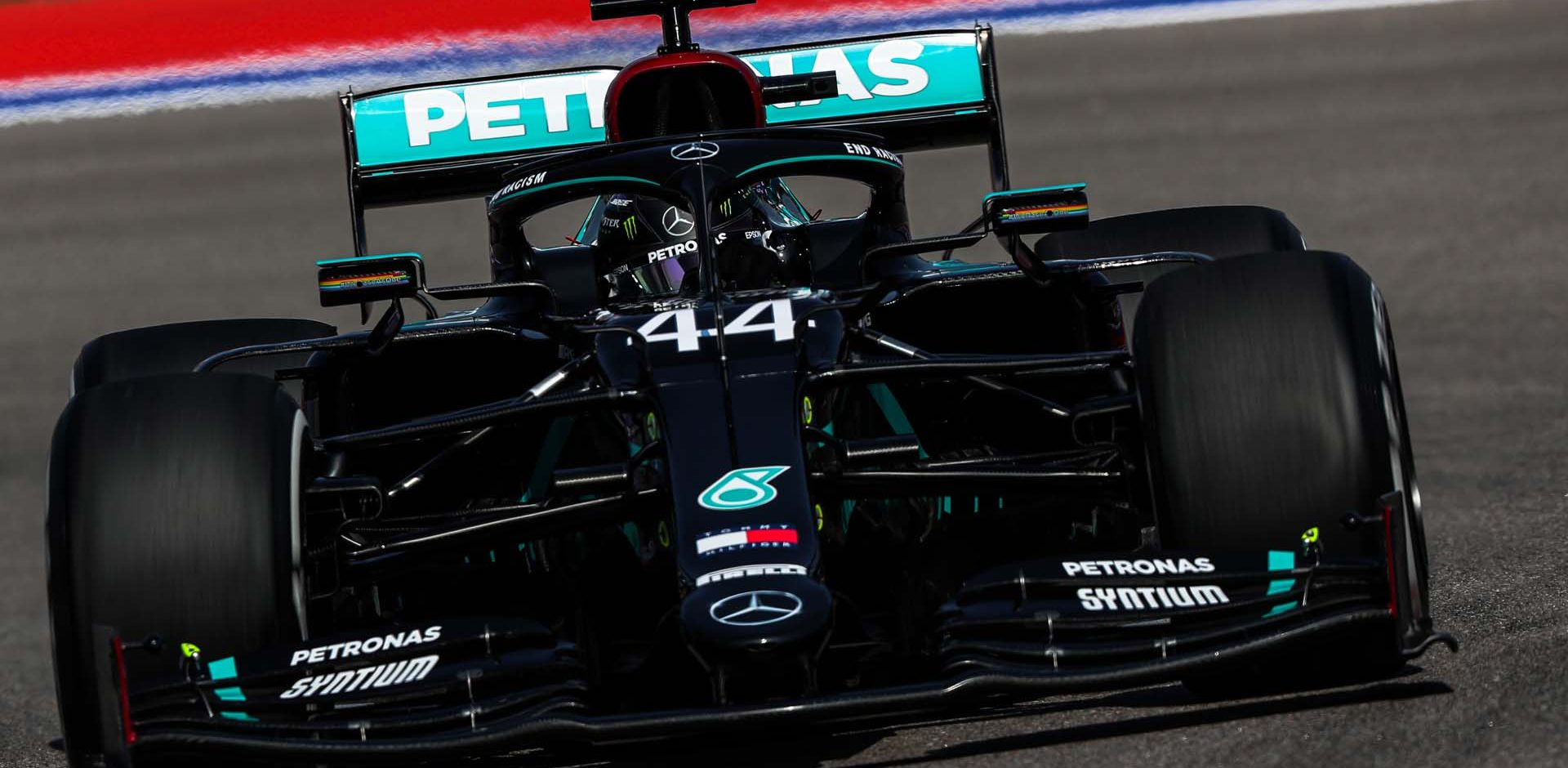2020 Russian Grand Prix, Friday - LAT Images Lewis Hamilton Mercedes