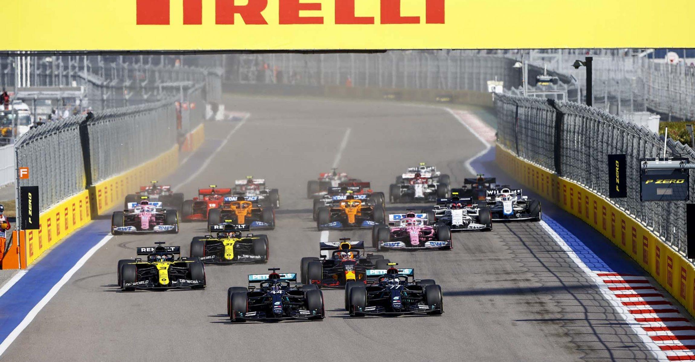 2020 Russian Grand Prix, Sunday - LAT Images Russian Grand Prix start