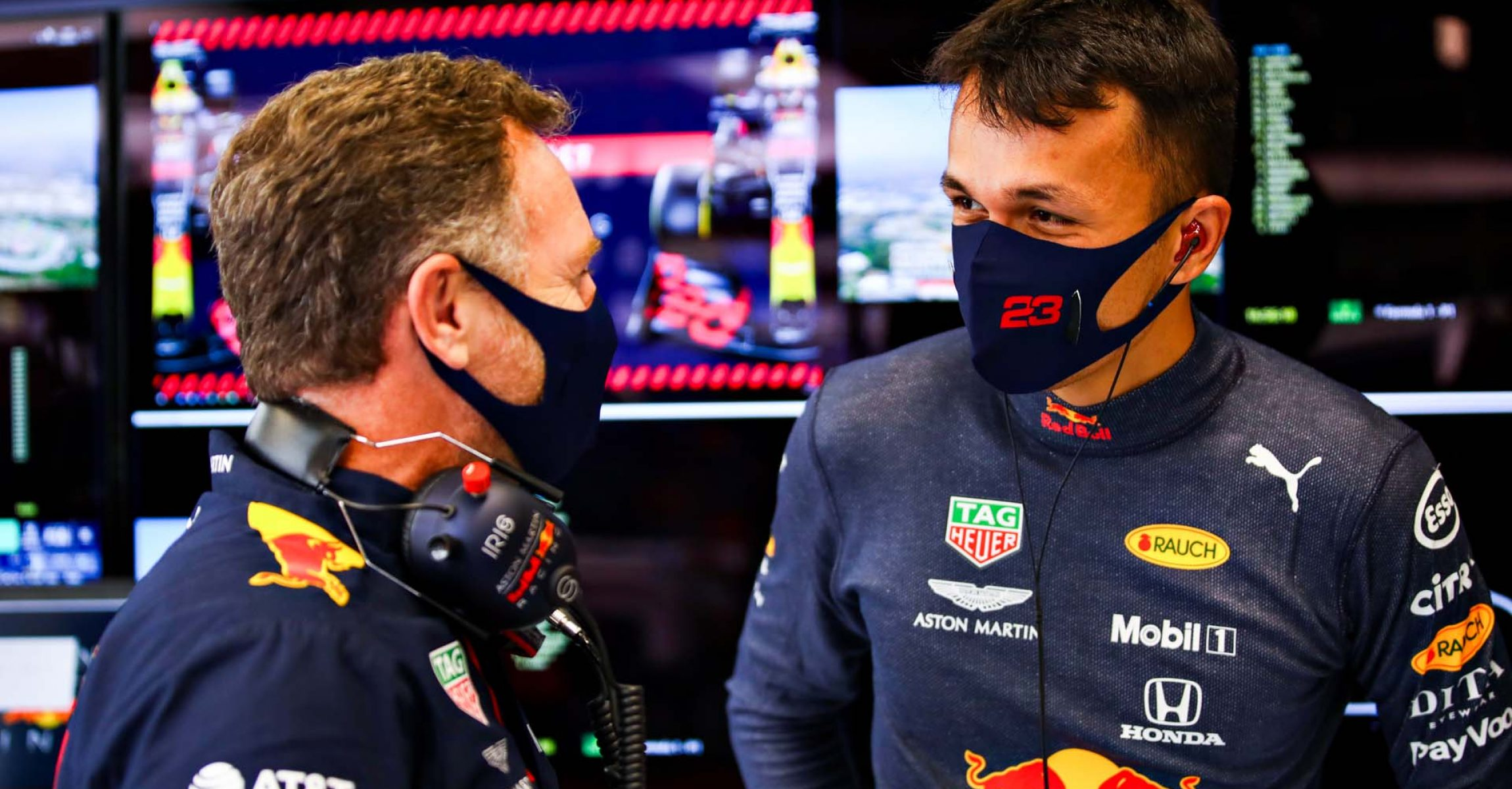 BARCELONA, SPAIN - AUGUST 15: Red Bull Racing Team Principal Christian Horner talks to Alexander Albon of Thailand and Red Bull Racing i during qualifying for the F1 Grand Prix of Spain at Circuit de Barcelona-Catalunya on August 15, 2020 in Barcelona, Spain. (Photo by Mark Thompson/Getty Images)