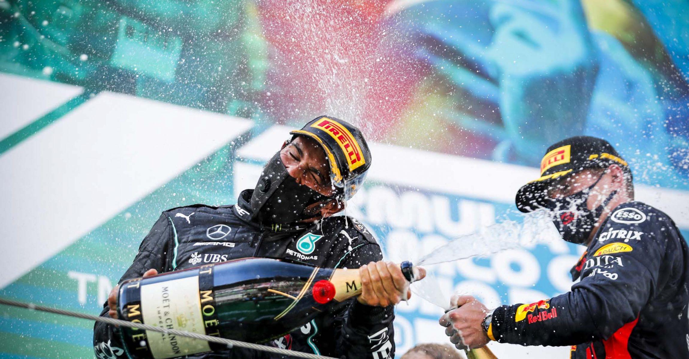 2020 Spanish Grand Prix, Sunday - LAT Images Lewis Hamilton Max Verstappen Mercedes