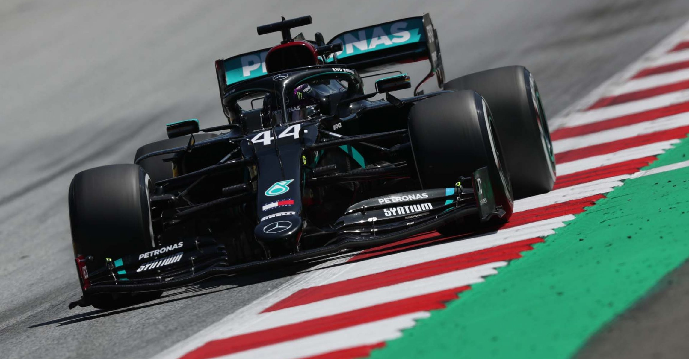 2020 Styrian Grand Prix, Friday - LAT Images Lewis Hamilton Mercedes