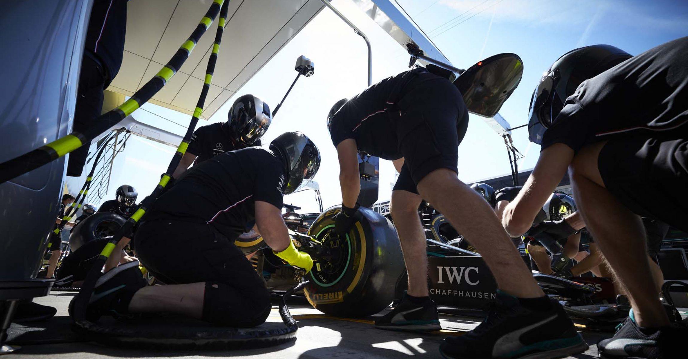 2020 Styrian Grand Prix, Friday - Steve Etherington Mercedes pitstop
