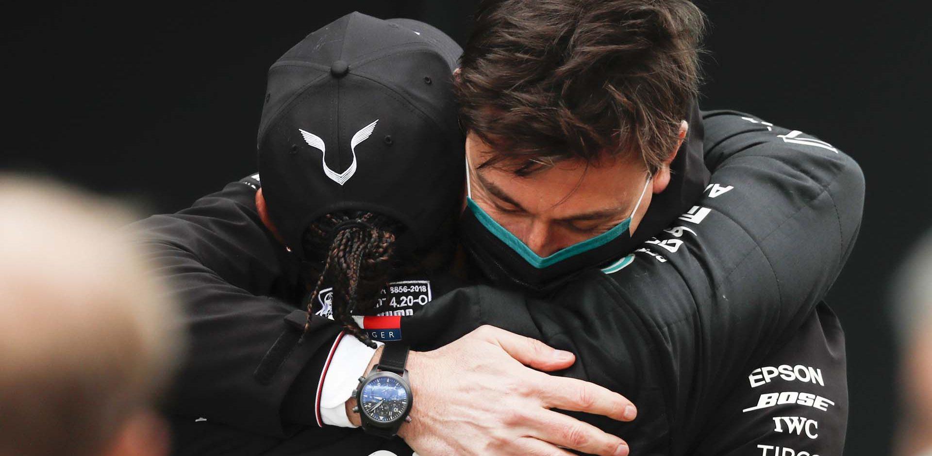 2020 Turkish Grand Prix, Sunday - LAT Images Toto Wolff Lewis Hamilton Mercedes