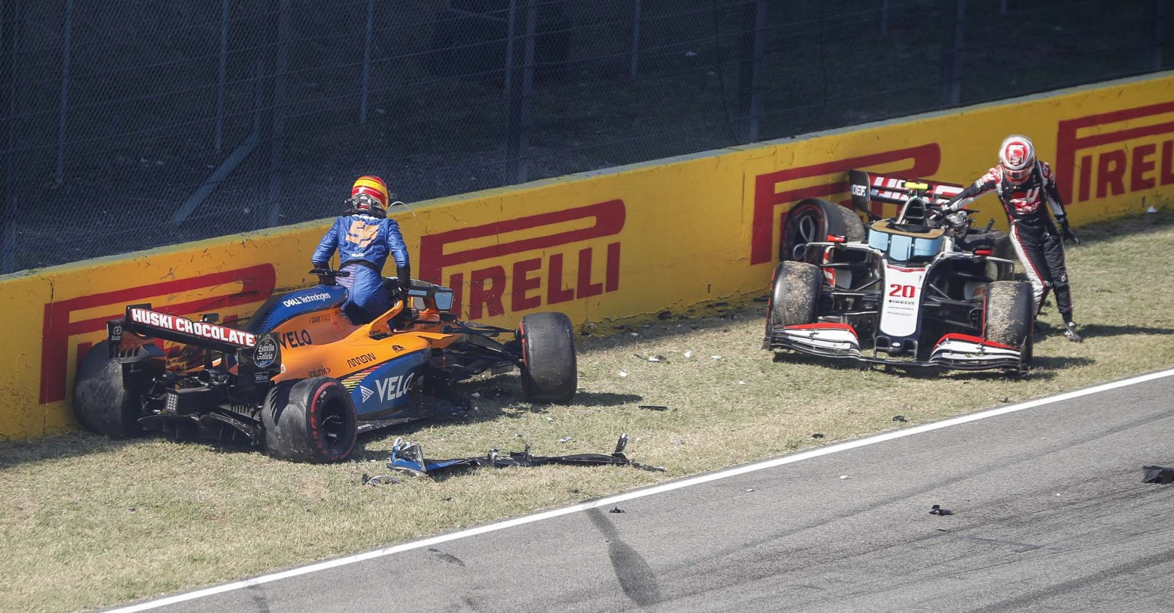 2020 Tuscan Grand Prix, Sunday - LAT Images Carlos Sainz Kevin Magnussen Crash Mercedes