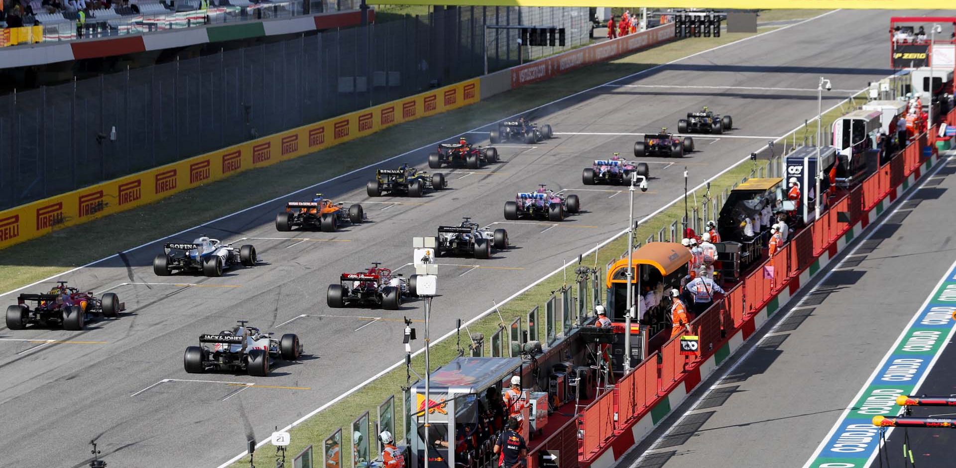 MUGELLO CIRCUIT, ITALY - SEPTEMBER 13: The restart of the race during the Tuscany GP at Mugello Circuit on Sunday September 13, 2020, Italy. (Photo by Steven Tee / LAT Images)