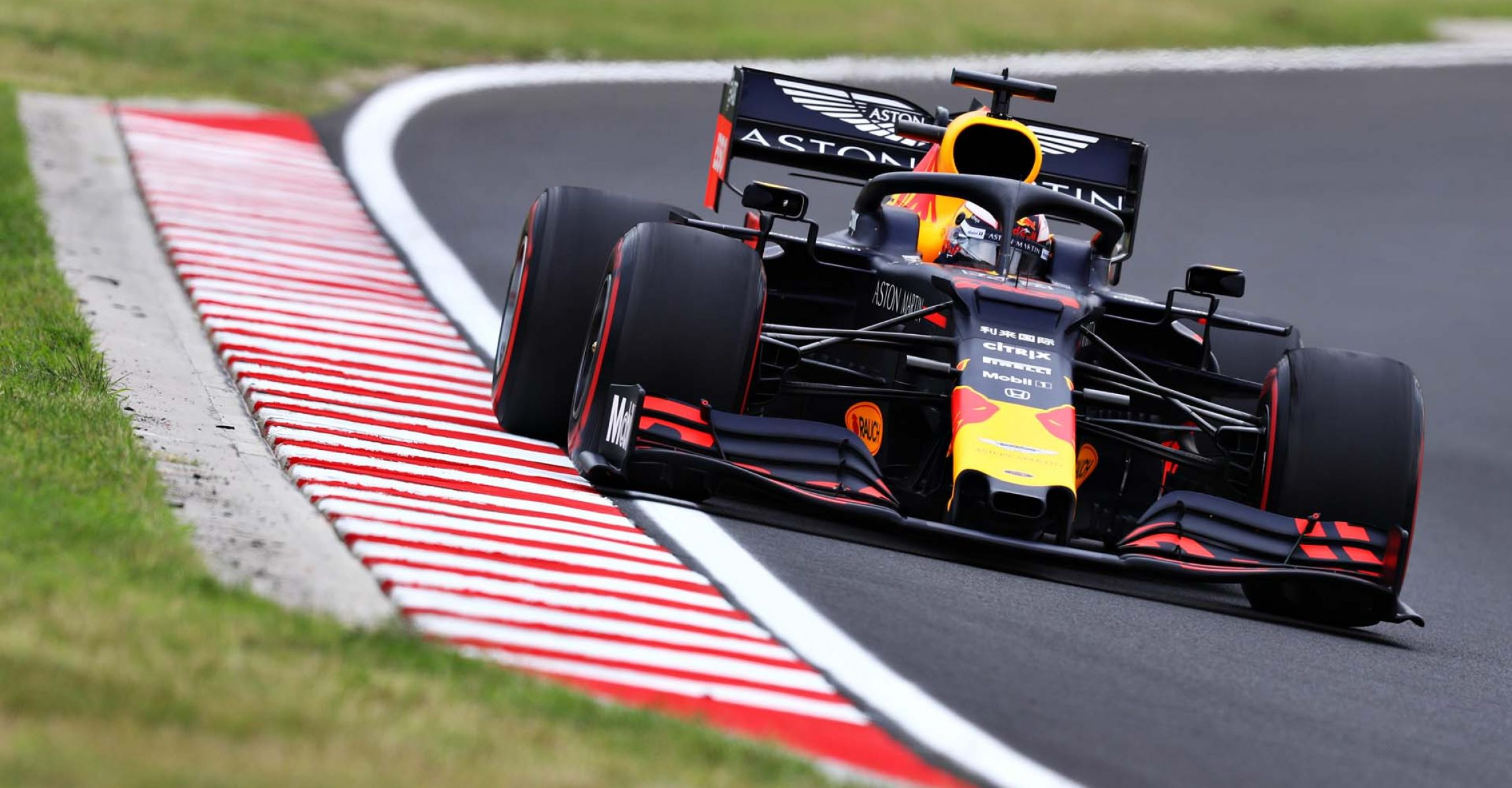 BUDAPEST, HUNGARY - AUGUST 02: Max Verstappen of the Netherlands driving the (33) Aston Martin Red Bull Racing RB15 on track during practice for the F1 Grand Prix of Hungary at Hungaroring on August 02, 2019 in Budapest, Hungary. (Photo by Mark Thompson/Getty Images) // Getty Images / Red Bull Content Pool  // AP-214V2DCFS1W11 // Usage for editorial use only // Please go to www.redbullcontentpool.com for further information. //