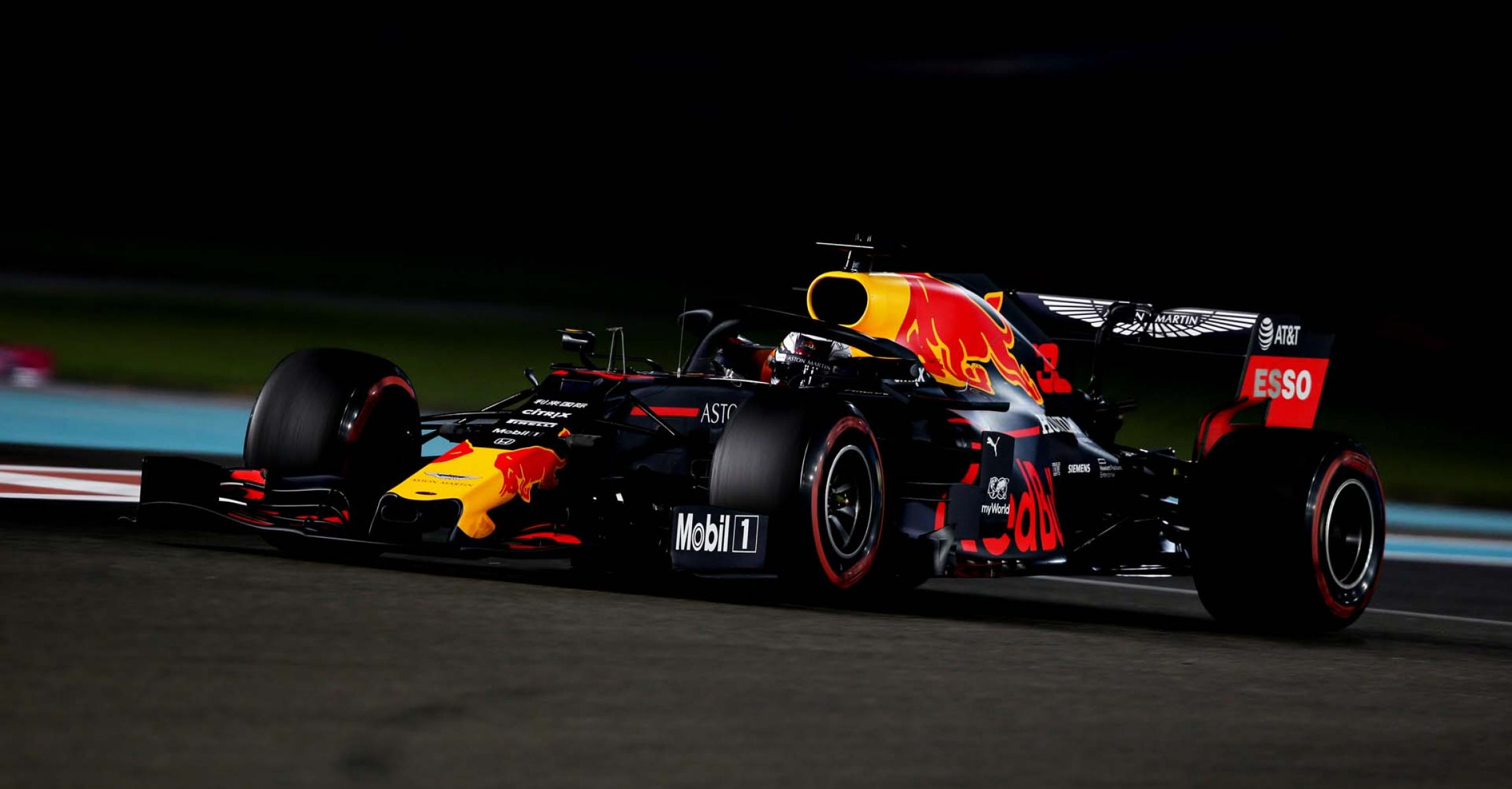 ABU DHABI, UNITED ARAB EMIRATES - NOVEMBER 29: Max Verstappen of the Netherlands driving the (33) Aston Martin Red Bull Racing RB15 on track during practice for the F1 Grand Prix of Abu Dhabi at Yas Marina Circuit on November 29, 2019 in Abu Dhabi, United Arab Emirates. (Photo by Charles Coates/Getty Images) // Getty Images / Red Bull Content Pool  // AP-22B74F6KN2111 // Usage for editorial use only //
