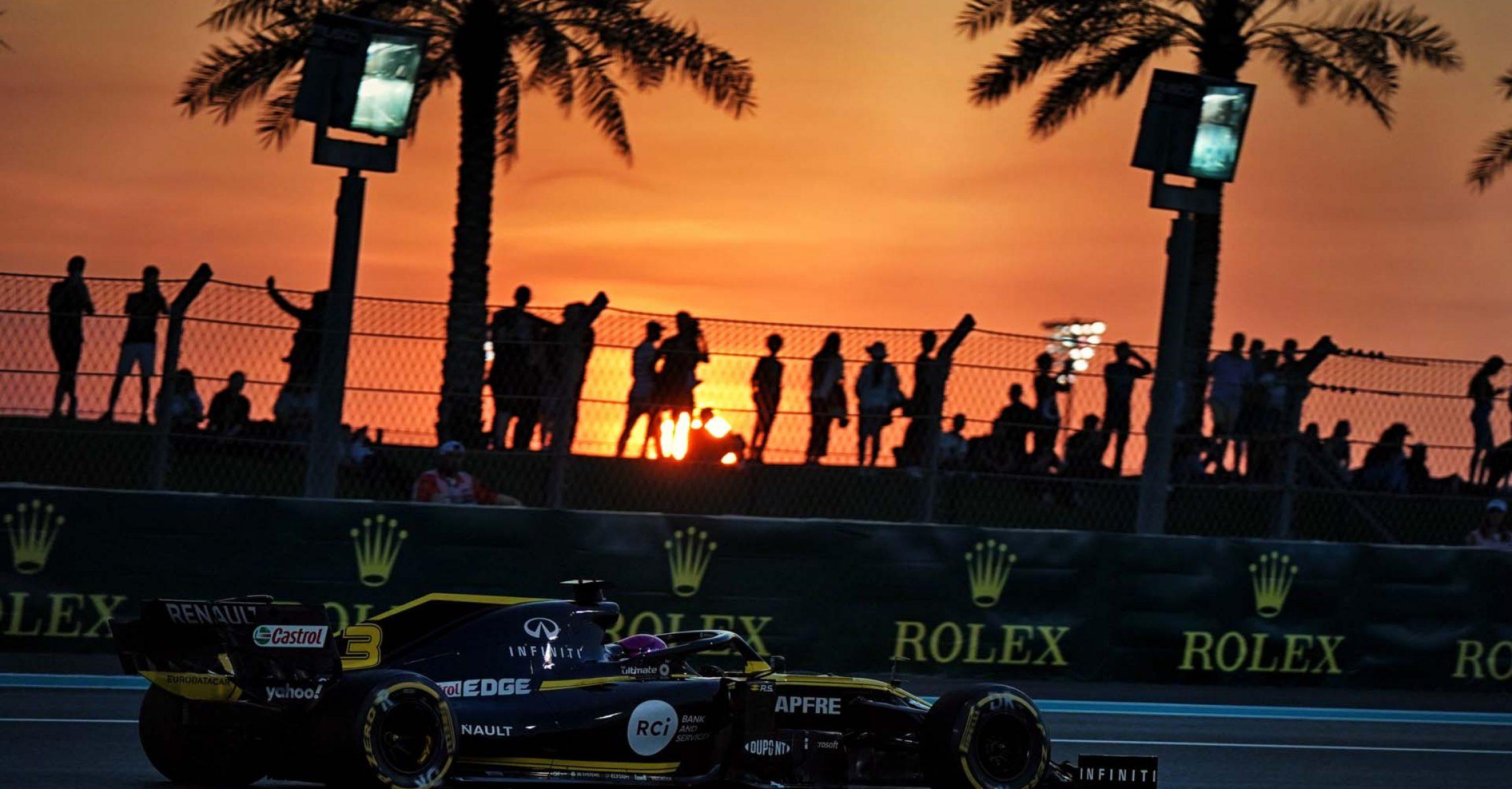 Daniel Ricciardo (AUS) Renault F1 Team RS19.                                Abu Dhabi Grand Prix, Friday 29th November 2019. Yas Marina Circuit, Abu Dhabi, UAE.