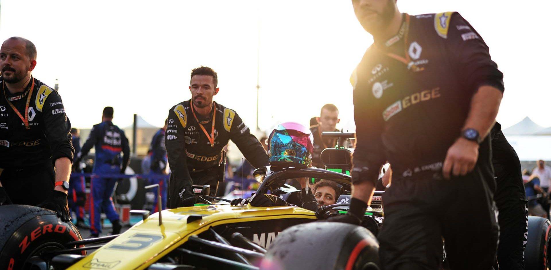 Daniel Ricciardo (AUS) Renault F1 Team RS19 on the grid. Abu Dhabi Grand Prix, Sunday 1st December 2019. Yas Marina Circuit, Abu Dhabi, UAE.