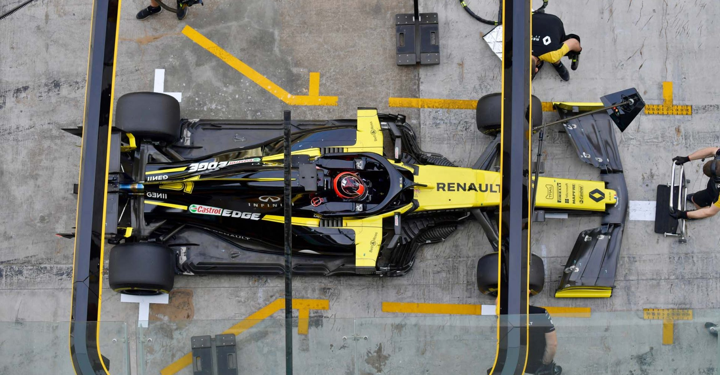 YAS MARINA CIRCUIT, UNITED ARAB EMIRATES - DECEMBER 03: Esteban Ocon, Renault R.S. 19 during the Abu Dhabi December Testing at Yas Marina Circuit on December 03, 2019 in Yas Marina Circuit, United Arab Emirates. (Photo by Jerry Andre / LAT Images)