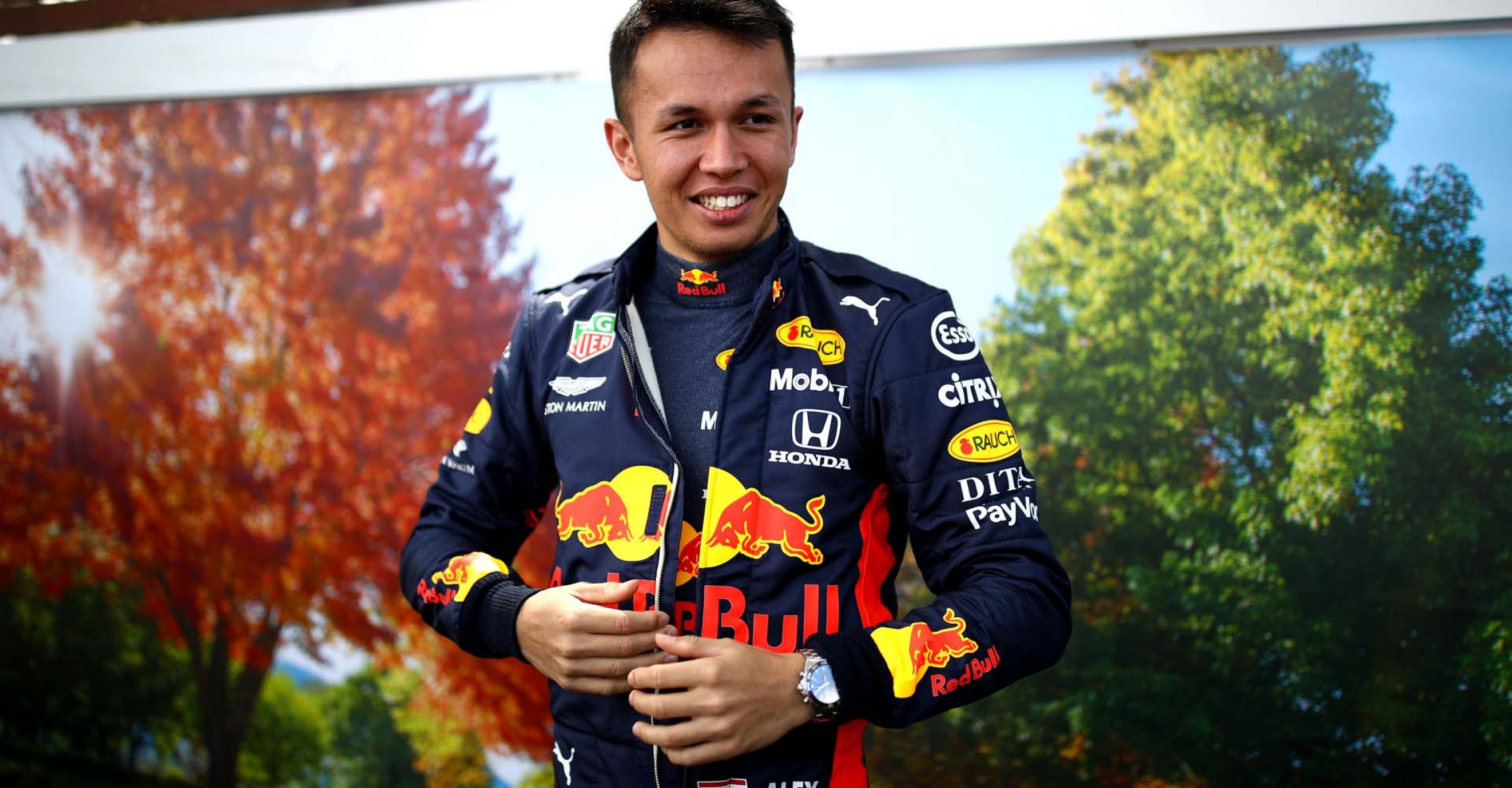 MELBOURNE, AUSTRALIA - MARCH 12: Alexander Albon of Thailand and Red Bull Racing looks on in the Paddock during previews ahead of the F1 Grand Prix of Australia at Melbourne Grand Prix Circuit on March 12, 2020 in Melbourne, Australia. (Photo by Mark Thompson/Getty Images) // Getty Images / Red Bull Content Pool // AP-23CHBW9HD2111 // Usage for editorial use only //
