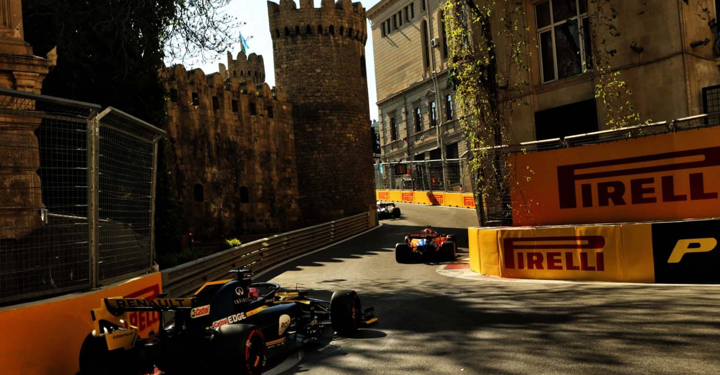Daniel Ricciardo (AUS) Renault F1 Team RS19. Azerbaijan Grand Prix, Sunday 28th April 2019. Baku City Circuit, Azerbaijan.