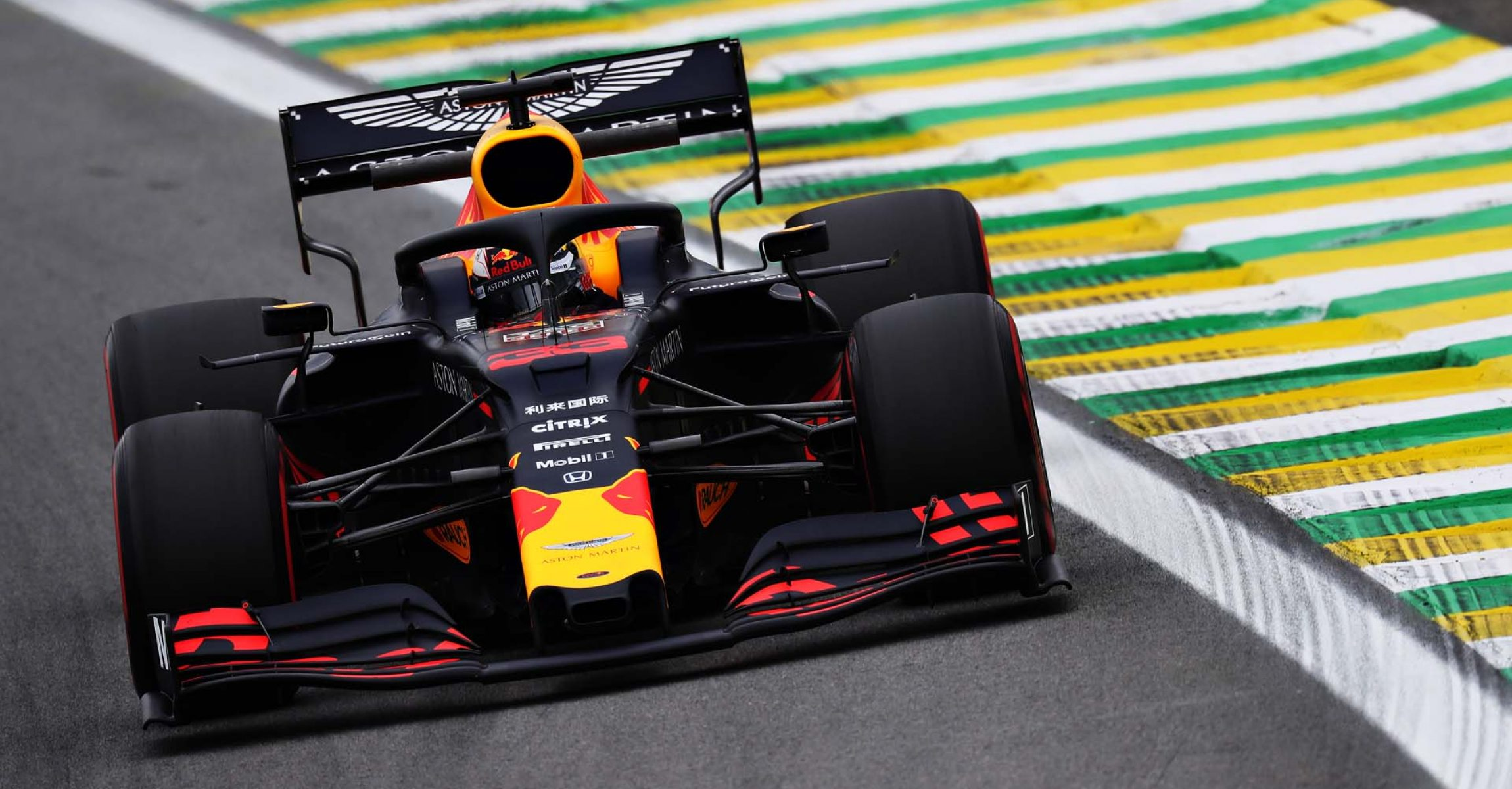 SAO PAULO, BRAZIL - NOVEMBER 15: Max Verstappen of the Netherlands driving the (33) Aston Martin Red Bull Racing RB15 on track during practice for the F1 Grand Prix of Brazil at Autodromo Jose Carlos Pace on November 15, 2019 in Sao Paulo, Brazil. (Photo by Mark Thompson/Getty Images) // Getty Images / Red Bull Content Pool // AP-226RXR5EN2111 // Usage for editorial use only //