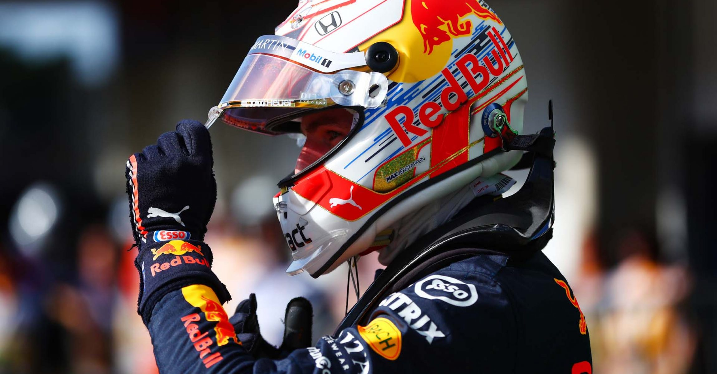 SAO PAULO, BRAZIL - NOVEMBER 16: Pole position qualifier Max Verstappen of Netherlands and Red Bull Racing celebrates in parc ferme during qualifying for the F1 Grand Prix of Brazil at Autodromo Jose Carlos Pace on November 16, 2019 in Sao Paulo, Brazil. (Photo by Dan Istitene/Getty Images) // Getty Images / Red Bull Content Pool // AP-2273BZH8S1W11 // Usage for editorial use only //