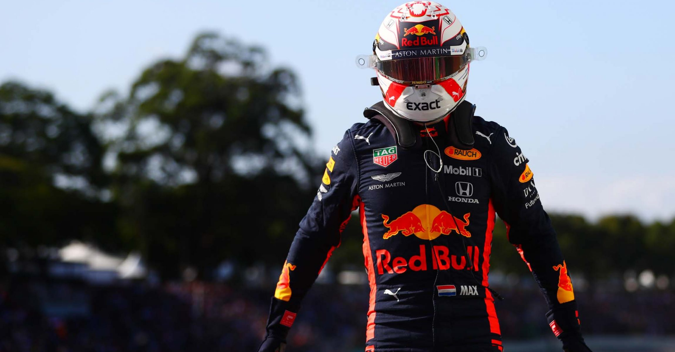 SAO PAULO, BRAZIL - NOVEMBER 16: Pole position qualifier Max Verstappen of Netherlands and Red Bull Racing celebrates in parc ferme during qualifying for the F1 Grand Prix of Brazil at Autodromo Jose Carlos Pace on November 16, 2019 in Sao Paulo, Brazil. (Photo by Dan Istitene/Getty Images) // Getty Images / Red Bull Content Pool // AP-2273CWMWN2111 // Usage for editorial use only //