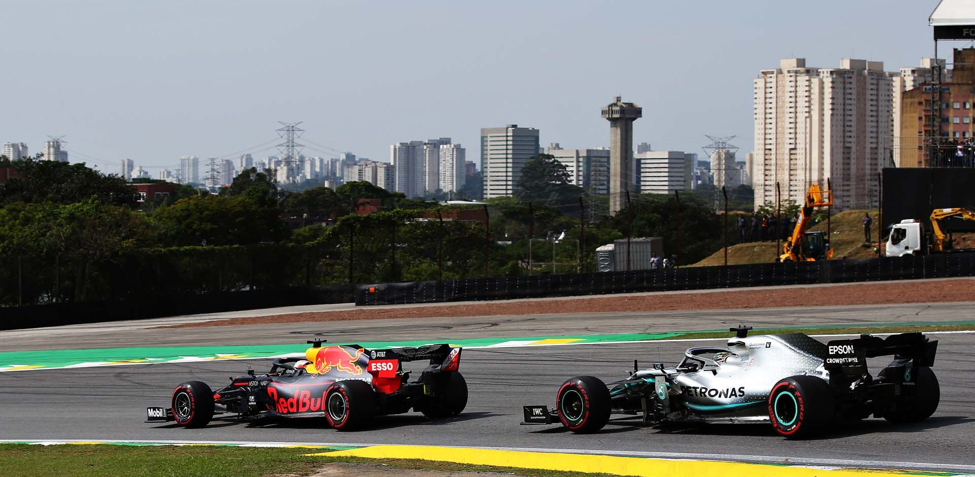 SAO PAULO, BRAZIL - NOVEMBER 17: Max Verstappen of the Netherlands driving the (33) Aston Martin Red Bull Racing RB15 leads Lewis Hamilton of Great Britain driving the (44) Mercedes AMG Petronas F1 Team Mercedes W10 on track during the F1 Grand Prix of Brazil at Autodromo Jose Carlos Pace on November 17, 2019 in Sao Paulo, Brazil. (Photo by Charles Coates/Getty Images) // Getty Images / Red Bull Content Pool  // AP-227D2THXW1W11 // Usage for editorial use only //