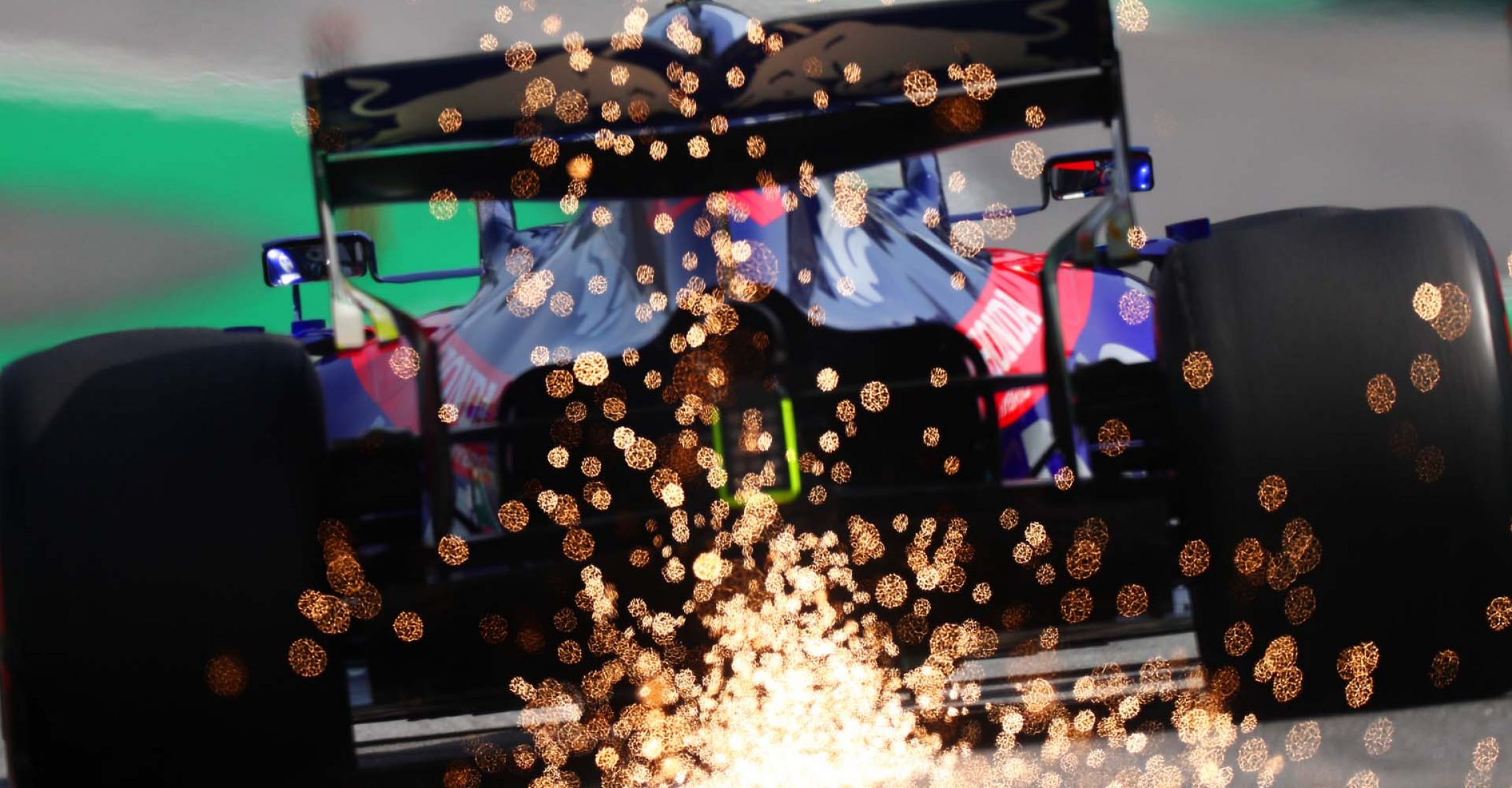 SAO PAULO, BRAZIL - NOVEMBER 17: Sparks fly behind Pierre Gasly of France driving the (10) Scuderia Toro Rosso STR14 Honda on track during the F1 Grand Prix of Brazil at Autodromo Jose Carlos Pace on November 17, 2019 in Sao Paulo, Brazil. (Photo by Dan Istitene/Getty Images) *** BESTPIX *** // Getty Images / Red Bull Content Pool  // AP-227DYNVNH2111 // Usage for editorial use only //