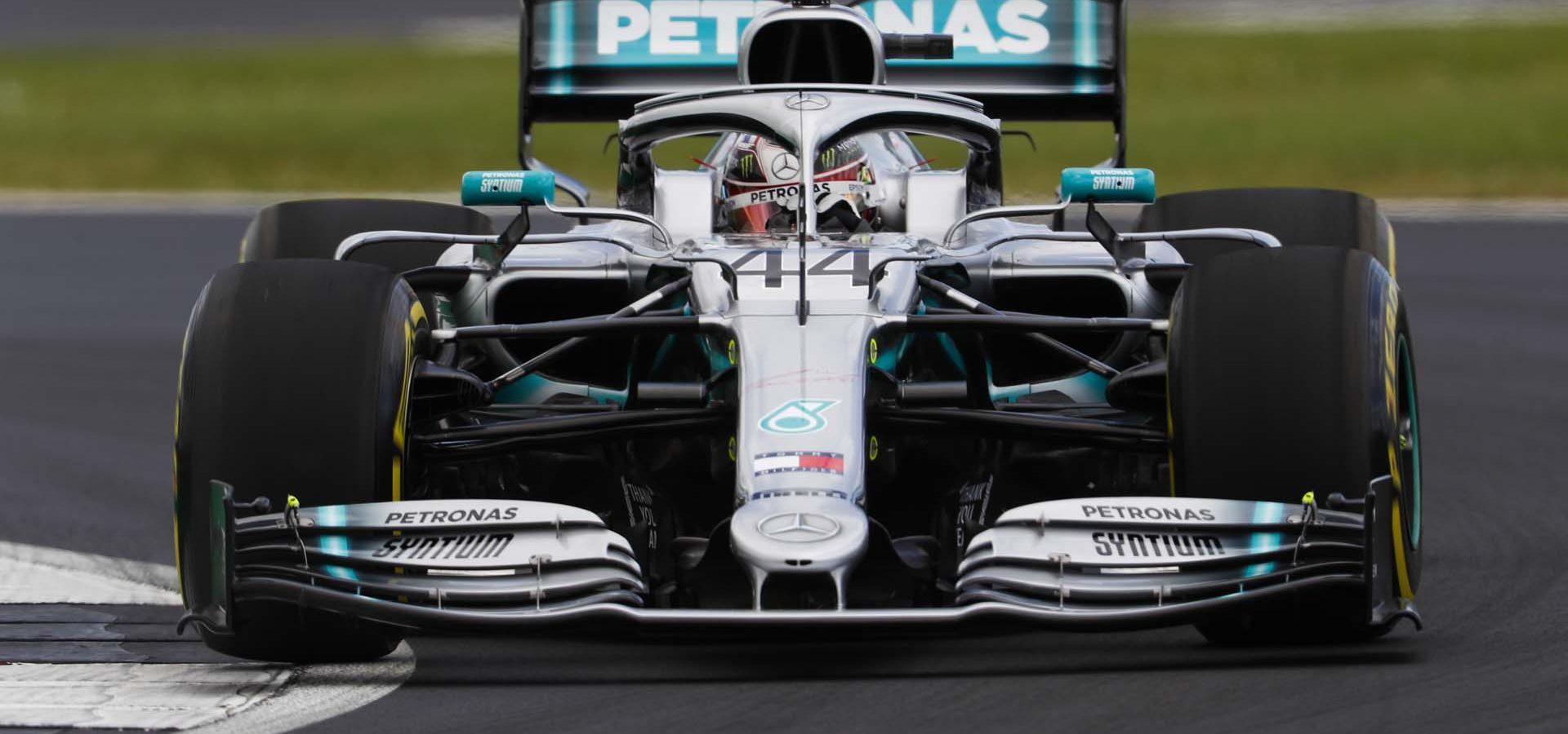 2019 British Grand Prix, Friday - LAT Images Lewis Hamilton Mercedes