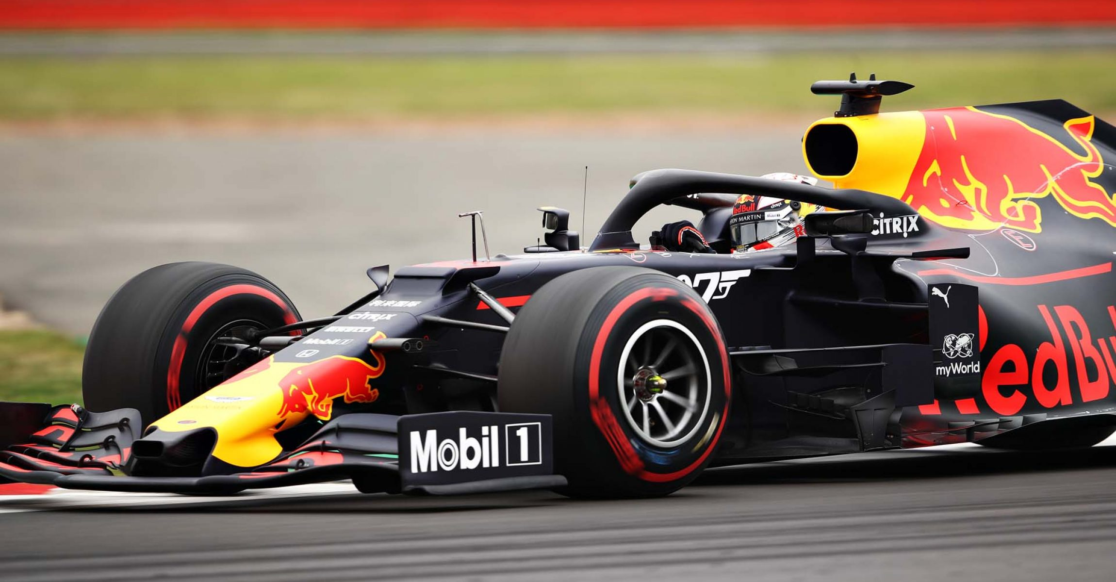 NORTHAMPTON, ENGLAND - JULY 13: Max Verstappen of the Netherlands driving the (33) Aston Martin Red Bull Racing RB15 on track during final practice for the F1 Grand Prix of Great Britain at Silverstone on July 13, 2019 in Northampton, England. (Photo by Bryn Lennon/Getty Images) // Getty Images / Red Bull Content Pool // AP-1ZXER4QM91W11 // Usage for editorial use only // Please go to www.redbullcontentpool.com for further information. //
