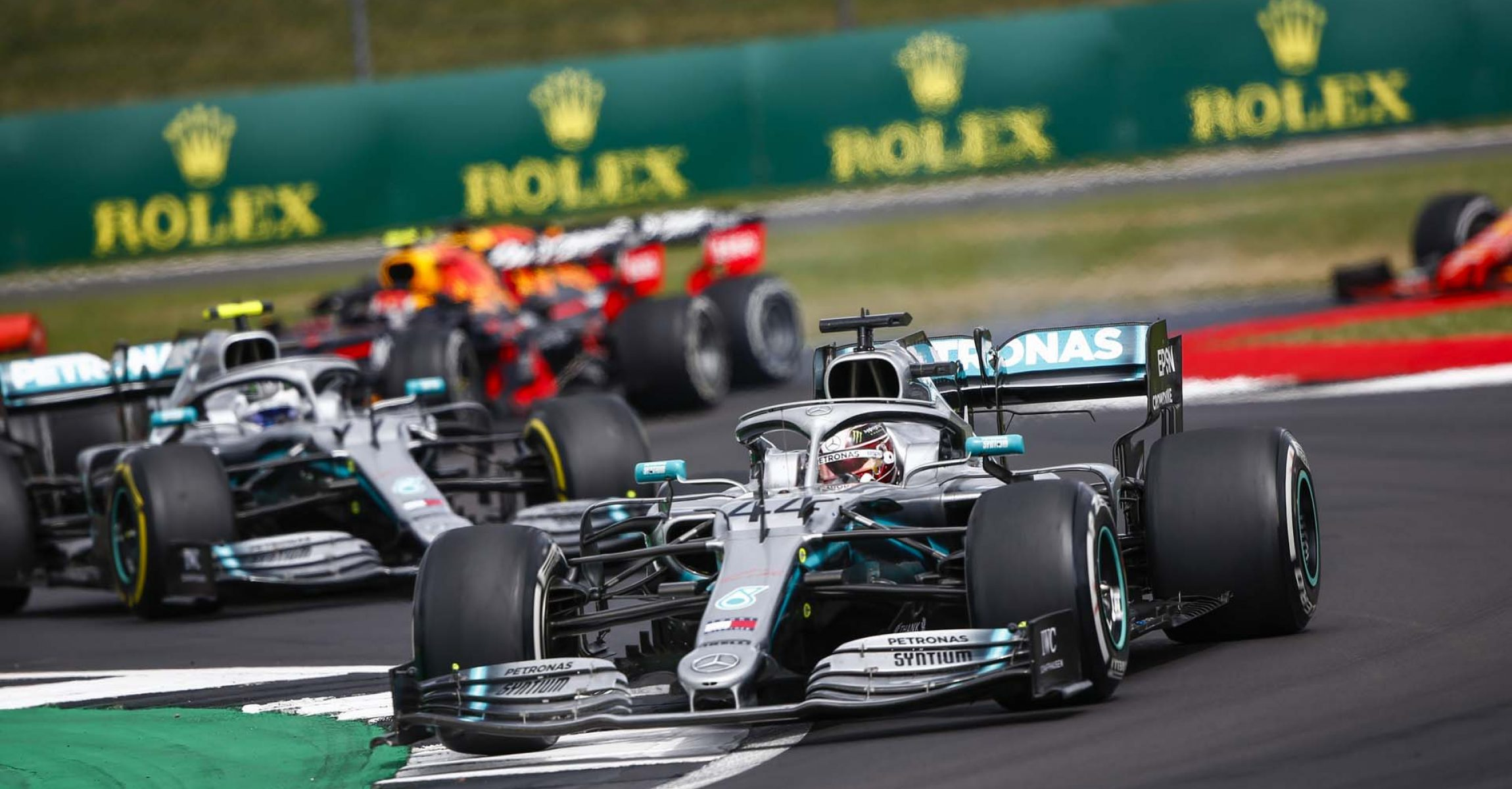 2019 British Grand Prix, Sunday - LAT Images Lewis Hamilton, followed by Valtteri Bottas Mercedes