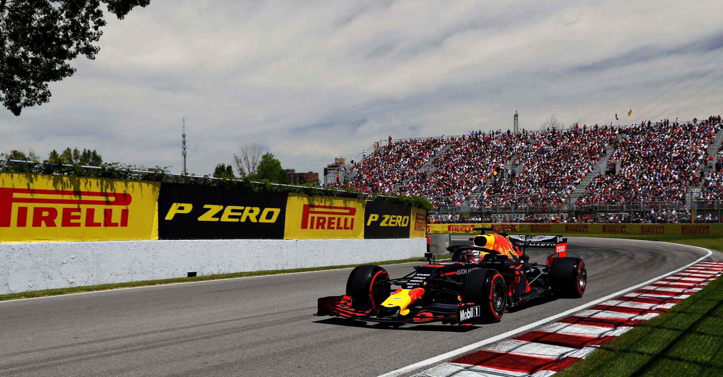MONTREAL, QUEBEC - JUNE 08: Max Verstappen of the Netherlands driving the (33) Aston Martin Red Bull Racing RB15 on track during qualifying for the F1 Grand Prix of Canada at Circuit Gilles Villeneuve on June 08, 2019 in Montreal, Canada. (Photo by Mark Thompson/Getty Images) // Getty Images / Red Bull Content Pool  // AP-1ZK9W8EZD2111 // Usage for editorial use only // Please go to www.redbullcontentpool.com for further information. //