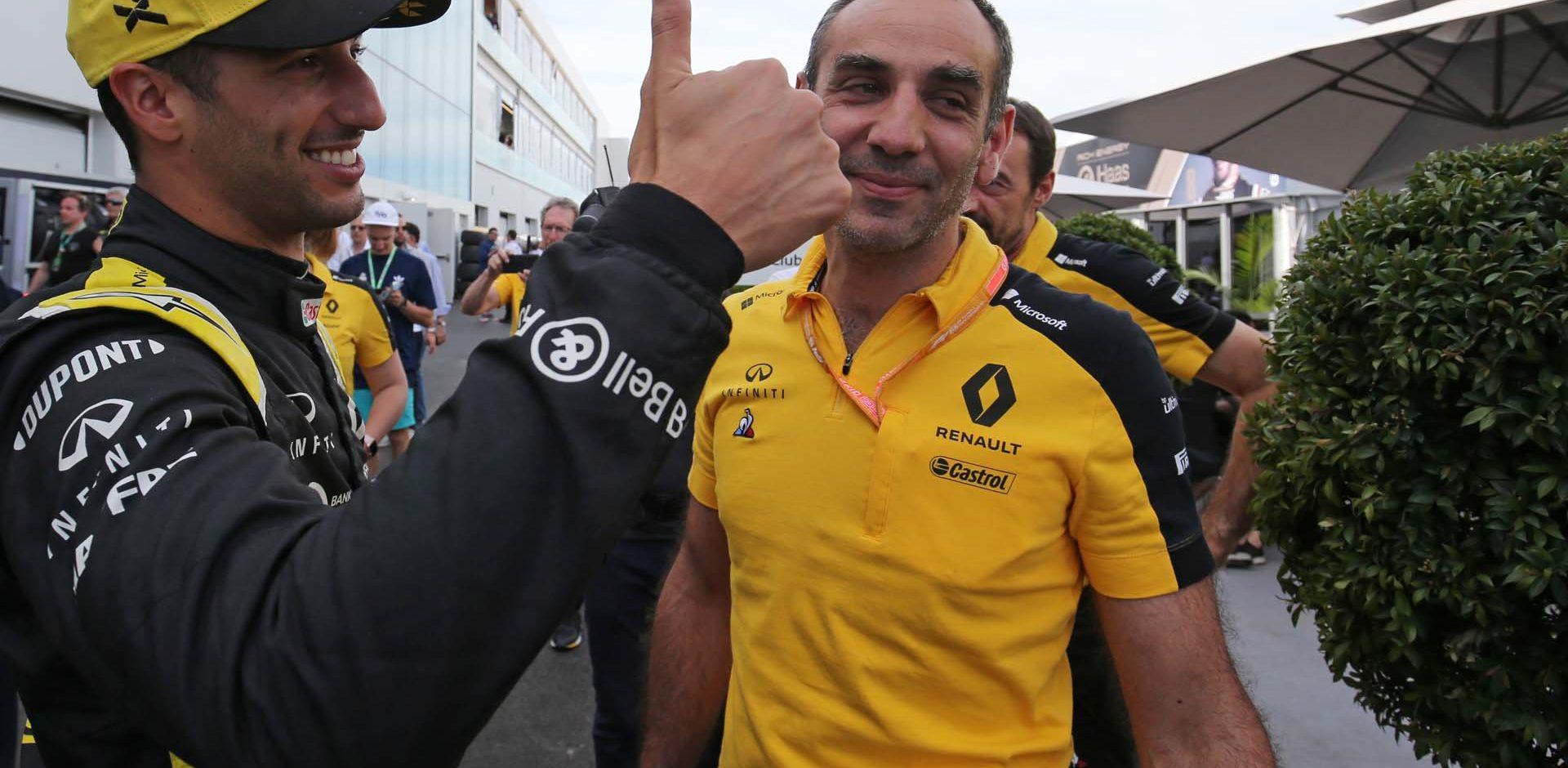 Daniel Ricciardo (AUS) Renault F1 Team celebrates his fourth position in qualifying with Cyril Abiteboul (FRA) Renault Sport F1 Managing Director. Canadian Grand Prix, Saturday 8th June 2019. Montreal, Canada.