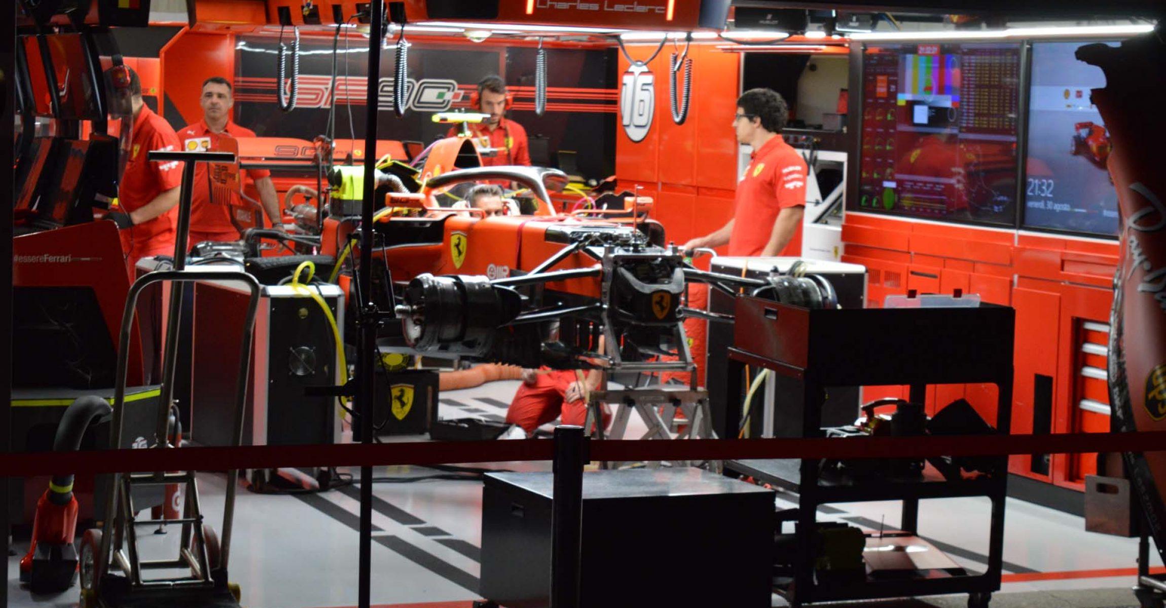 Ferrari, Charles Leclerc, garage