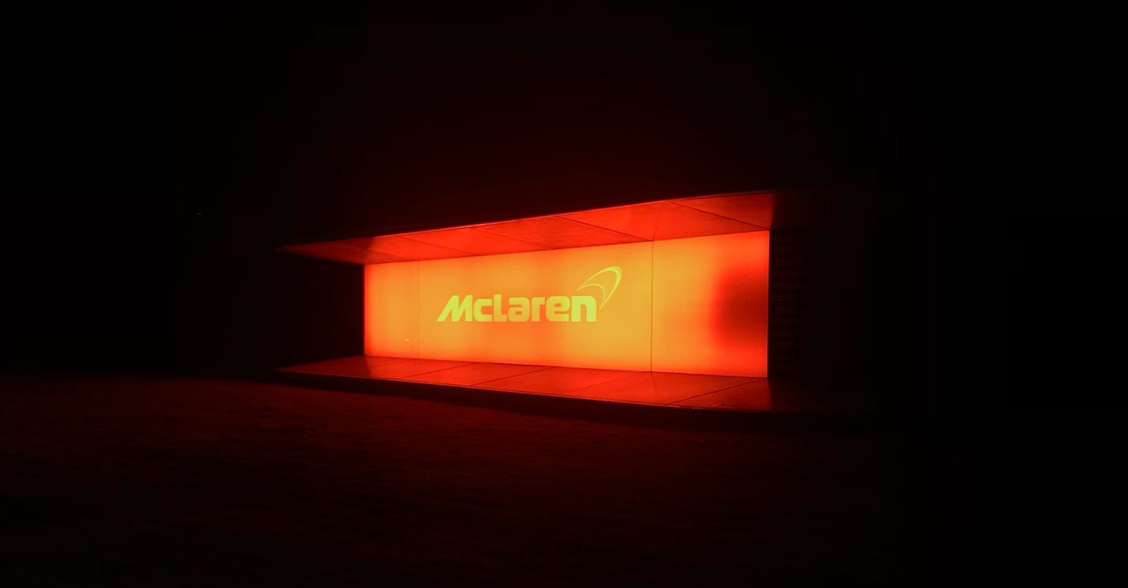 McLaren, launch, logo, sign, light