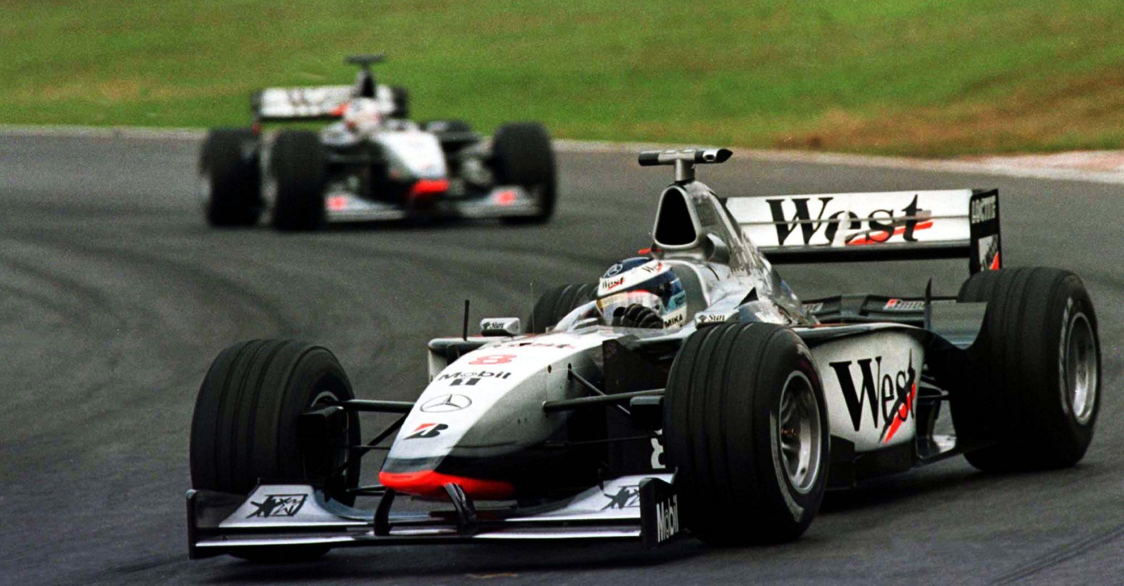Mika Häkkinen leads in Interlagos followed by his McLaren's teammate David Coulthard in 1998, Brazilian Grand Prix
