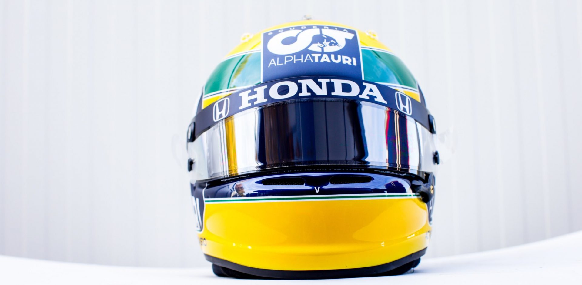 Pierre Gasly's helmet to tribute Ayrton Senna in Imola, 2020 Emilia Romagna Grand Prix, AlphaTauri