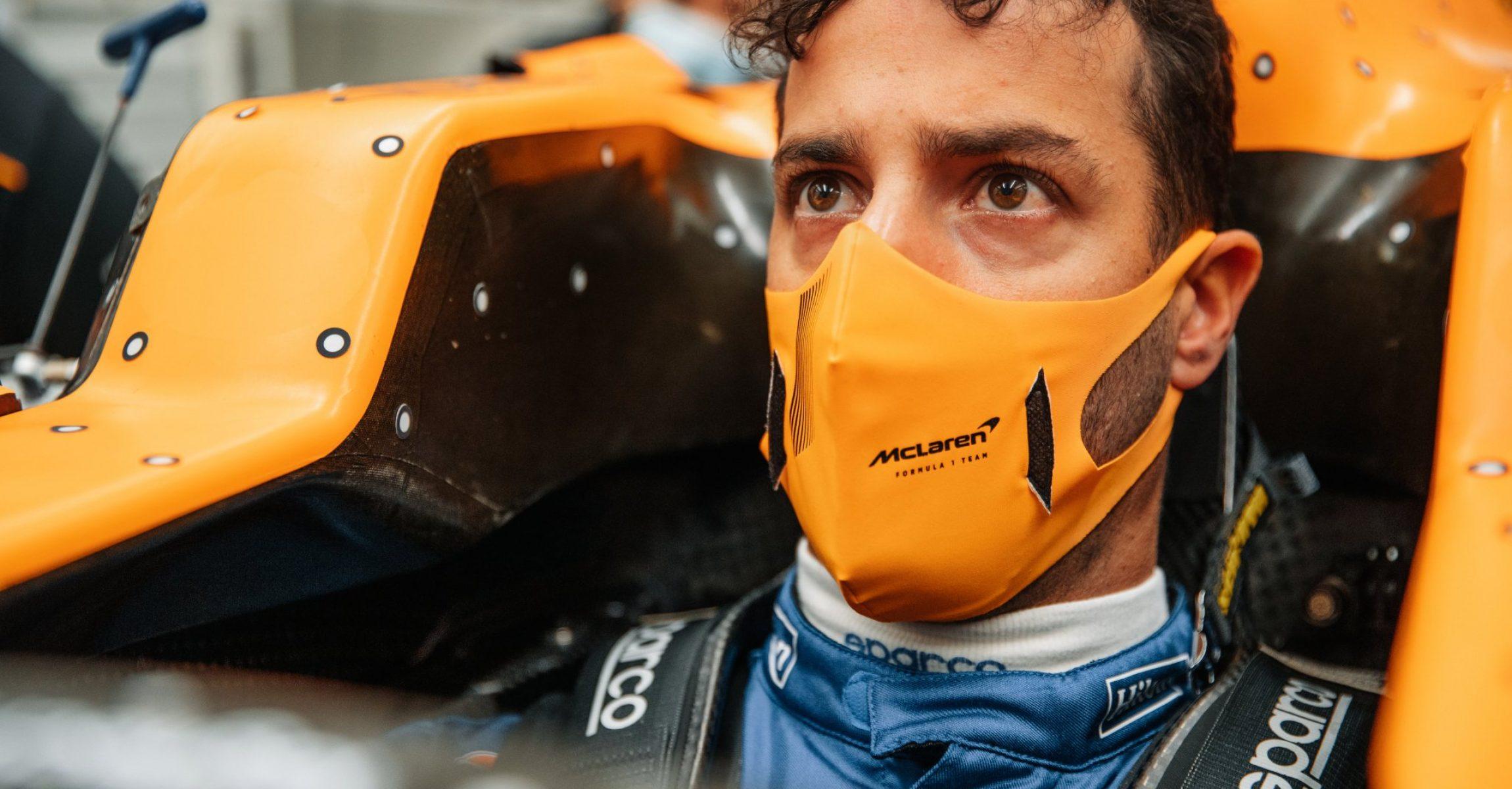 Daniel Ricciardo, McLaren MCL35M seat fit
