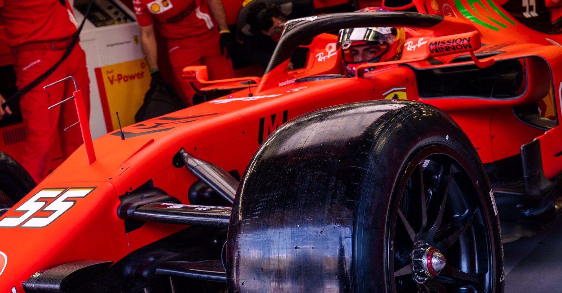 Pirell 18 inch tyre test, Ferrari, Bahrain, Carlos Sainz