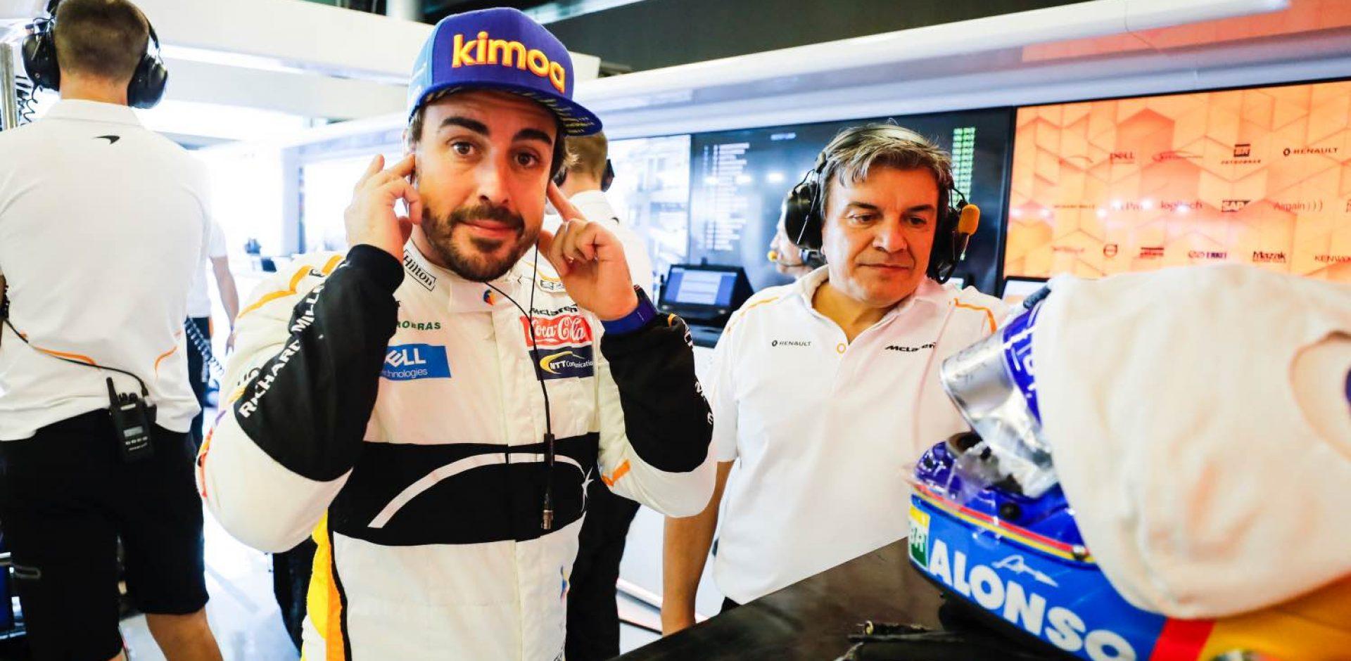 Yas Marina Circuit, Abu Dhabi, United Arab Emirates. Friday 23 November 2017. Fernando Alonso, McLaren. World Copyright: Steven Tee/McLaren ref: _2ST8808 Fabrizio Borra