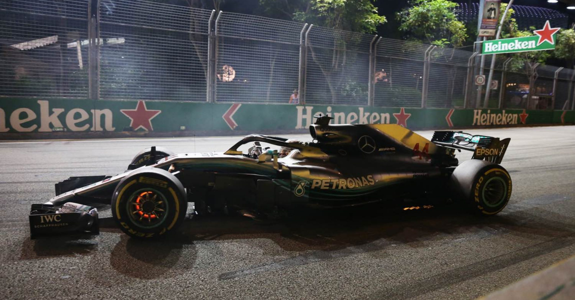 Lewis Hamilton, Mercedes AMG F1 W09 EQ Power+ with glowing brakes at Formula One World Championship, Rd15, Singapore Grand Prix, Race, Marina Bay Circuit, Singapore, Sunday 16 September 2018.