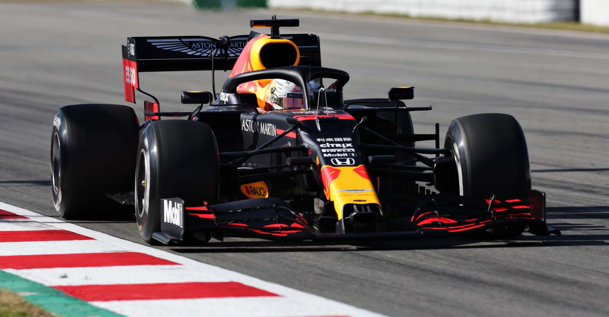 BARCELONA, SPAIN - FEBRUARY 19: Max Verstappen of the Netherlands driving the (33) Aston Martin Red Bull Racing RB16 on track during day one of Formula 1 Winter Testing at Circuit de Barcelona-Catalunya on February 19, 2020 in Barcelona, Spain. (Photo by Peter Fox/Getty Images) // Getty Images / Red Bull Content Pool // AP-235KCHBVW1W11 // Usage for editorial use only //