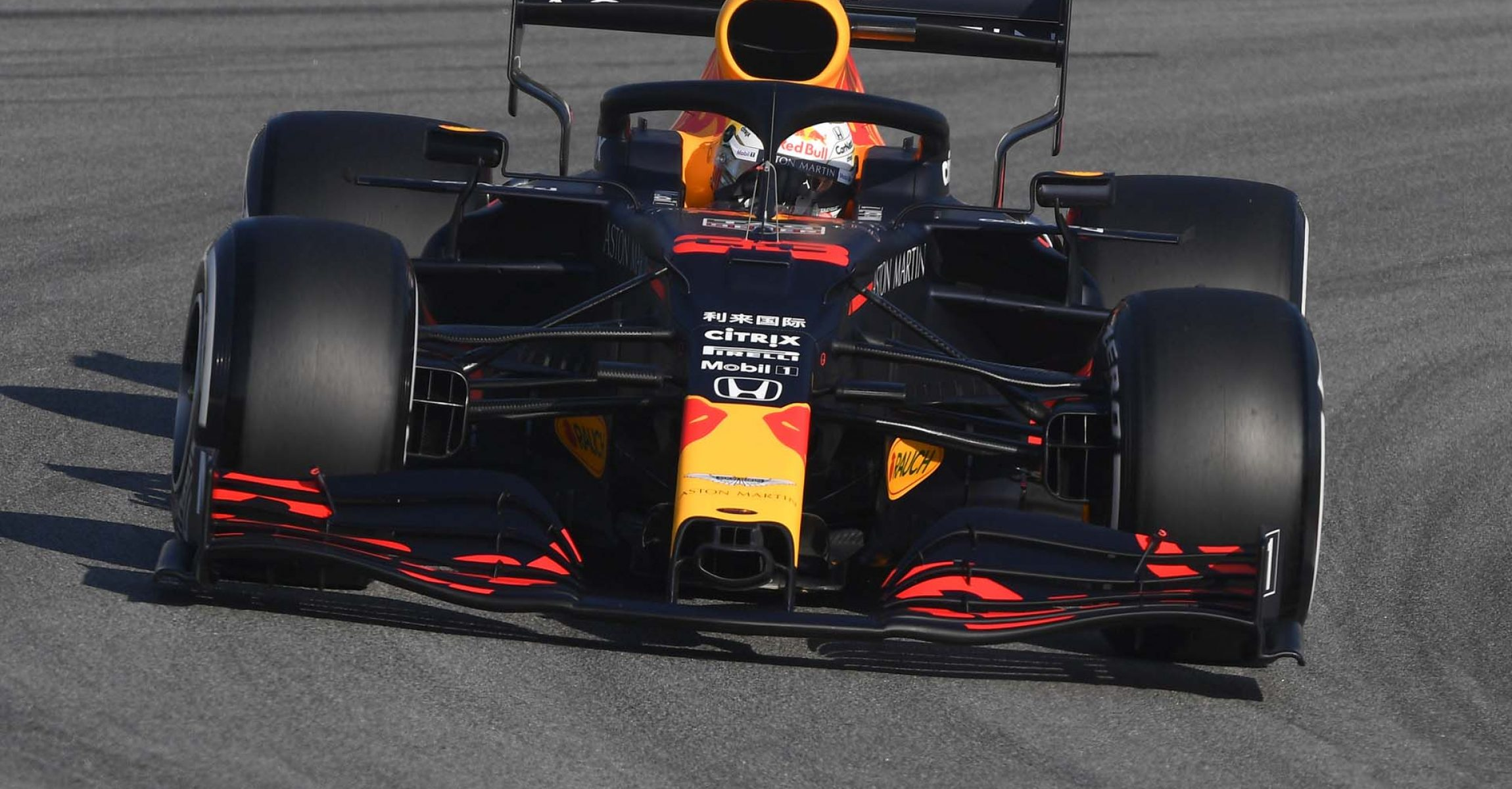 BARCELONA, SPAIN - FEBRUARY 19: Max Verstappen of the Netherlands driving the (33) Aston Martin Red Bull Racing RB16 on track during day one of Formula 1 Winter Testing at Circuit de Barcelona-Catalunya on February 19, 2020 in Barcelona, Spain. (Photo by Rudy Carezzevoli/Getty Images) // Getty Images / Red Bull Content Pool // AP-235KDNV191W11 // Usage for editorial use only //