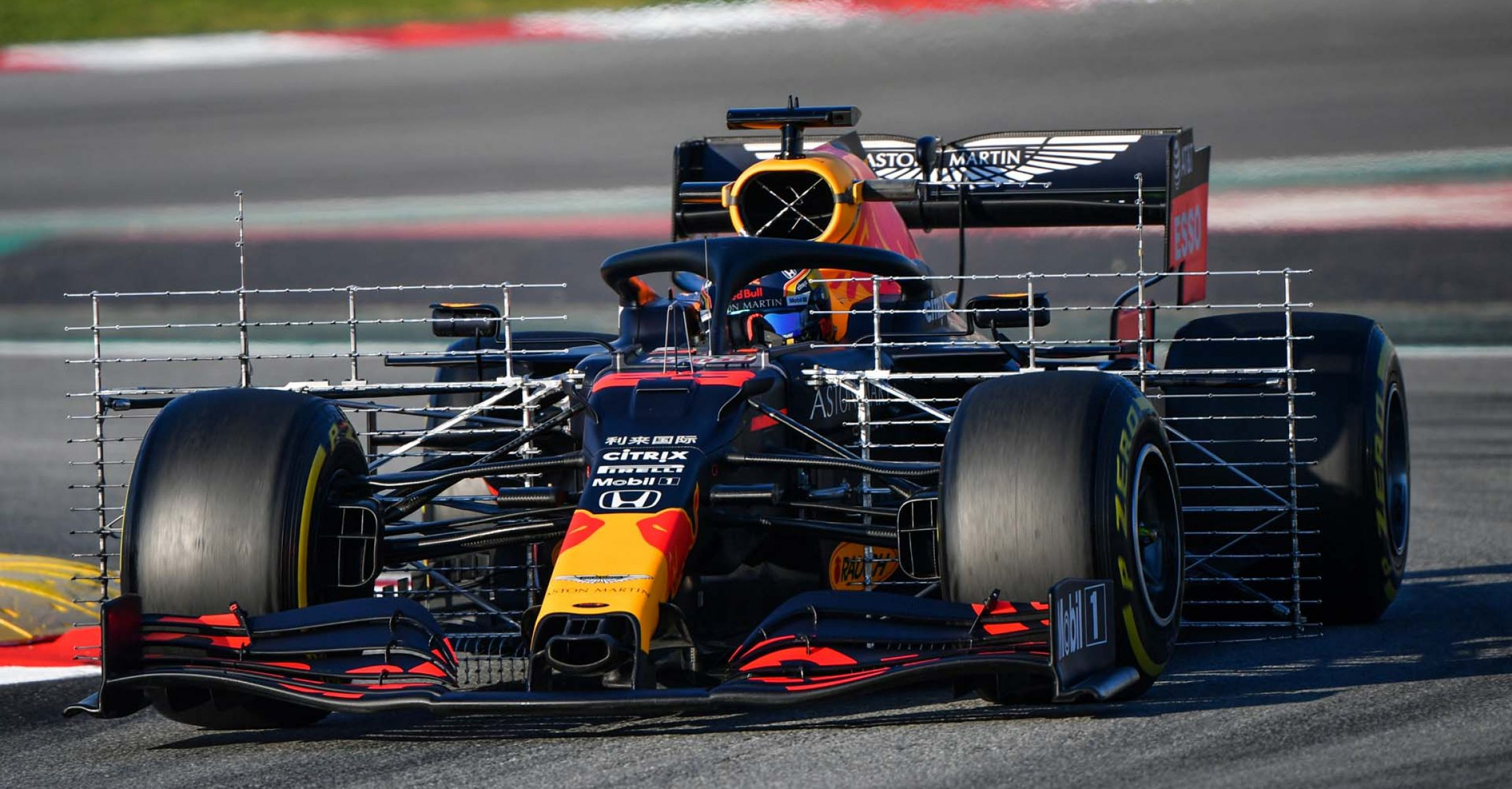 CIRCUIT DE BARCELONA-CATALUNYA, SPAIN - FEBRUARY 20: Max Verstappen, Red Bull Racing during the Barcelona February testing I at Circuit de Barcelona-Catalunya on February 20, 2020 in Circuit de Barcelona-Catalunya, Spain. (Photo by Mark Sutton / LAT Images)