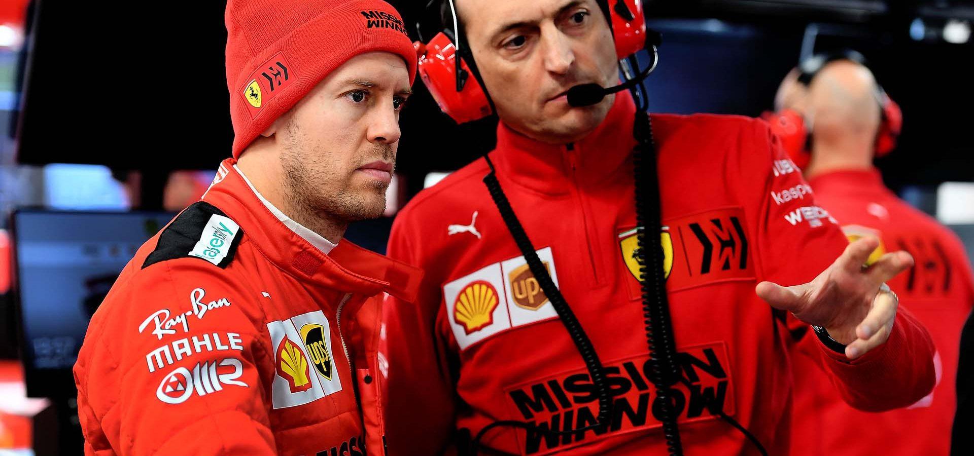 TEST T1 BARCELLONA - VENERDì 21/02/20 - SEBASTIAN VETTEL  CON IL SUO INGEGNERE Ferrari