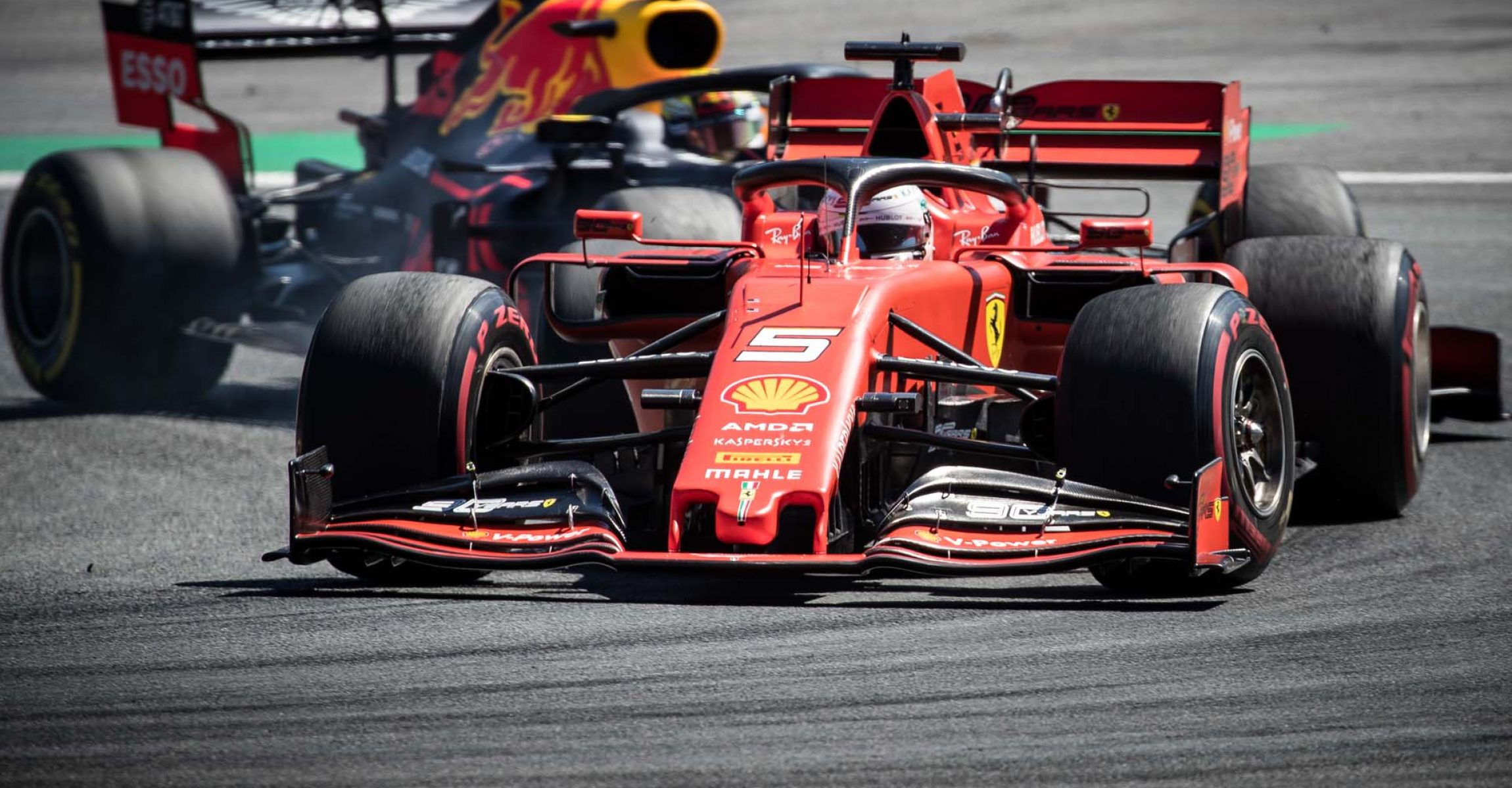 SPIELBERG,AUSTRIA,30.JUN.19 - MOTORSPORTS, FORMULA 1 - Grand Prix of Austria, Red Bull Ring. Image shows Sebastian Vettel (GER/ Ferrari) and Max Verstappen (NED/ Red Bull Racing). Photo: GEPA pictures/ Matic Klansek - For editorial use only. Image is free of charge.