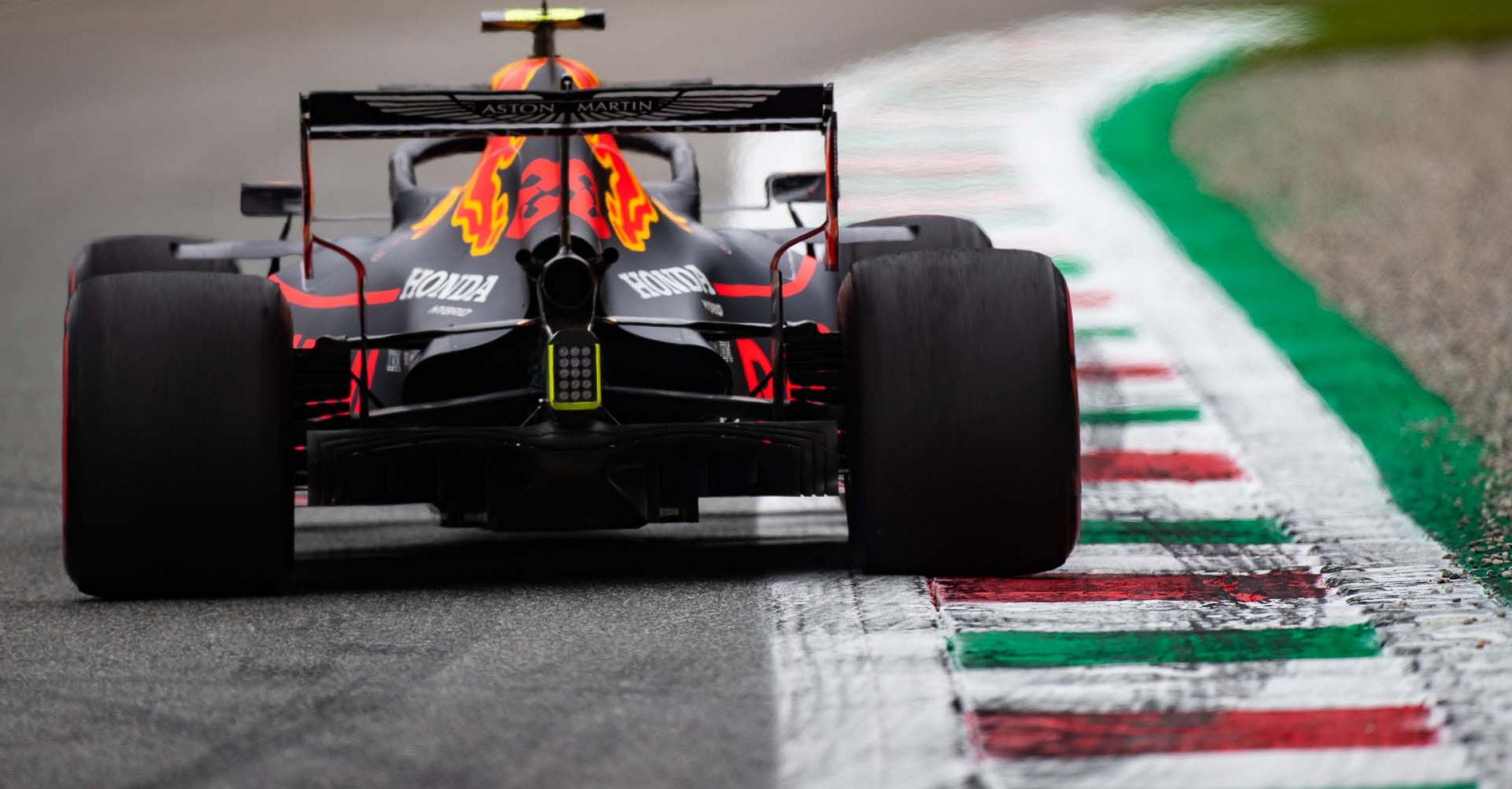 MONZA, ITALY - SEPTEMBER 06: Alexander Albon of Thailand driving the (23) Aston Martin Red Bull Racing RB15 on track during practice for the F1 Grand Prix of Italy at Autodromo di Monza on September 06, 2019 in Monza, Italy. (Photo by Lars Baron/Getty Images) // Getty Images / Red Bull Content Pool // AP-21G6K2TN12111 // Usage for editorial use only //