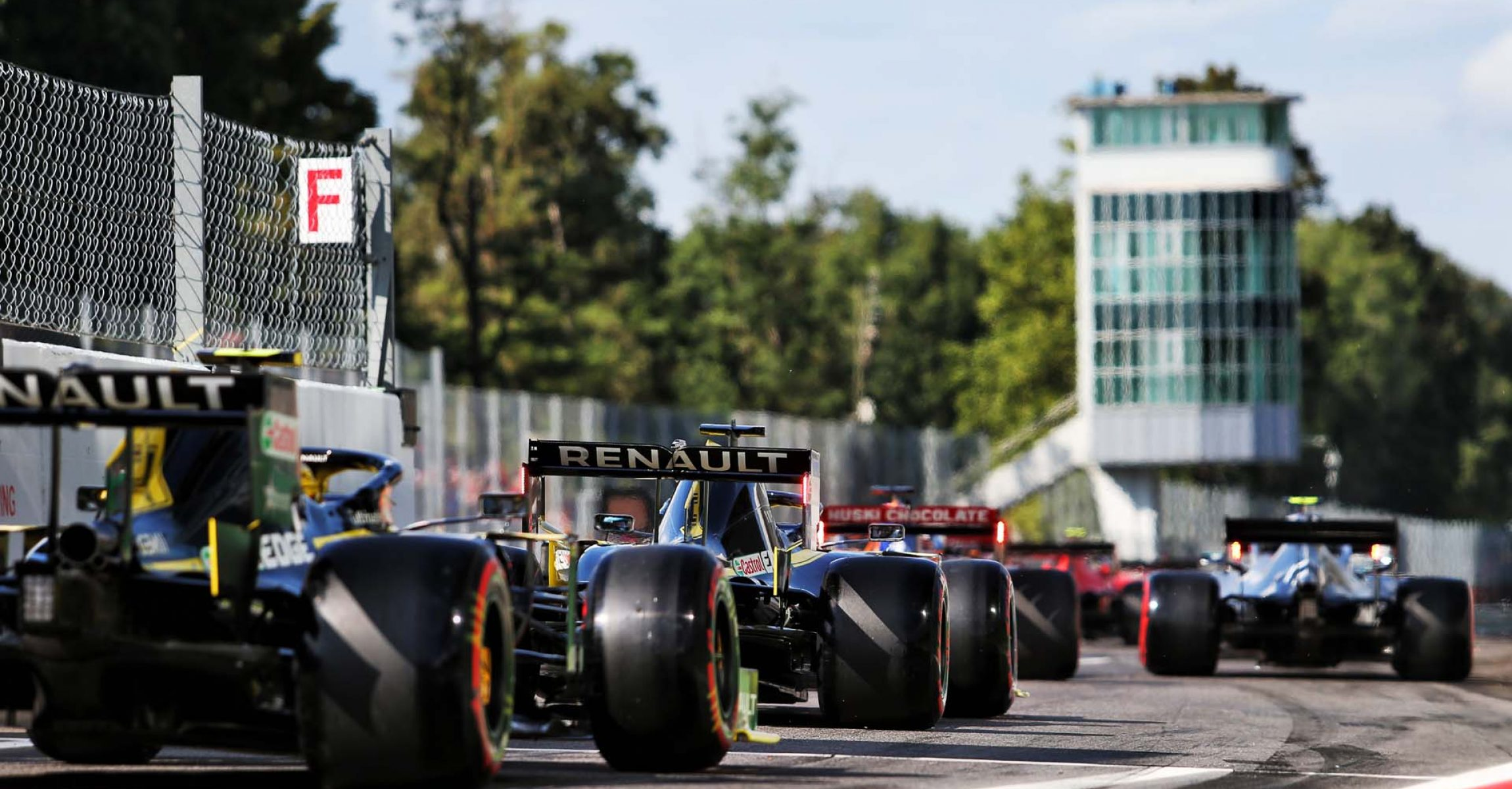 Daniel Ricciardo (AUS) Renault F1 Team RS19 and Nico Hulkenberg (GER) Renault F1 Team RS19. Italian Grand Prix, Saturday 7th September 2019. Monza Italy.
