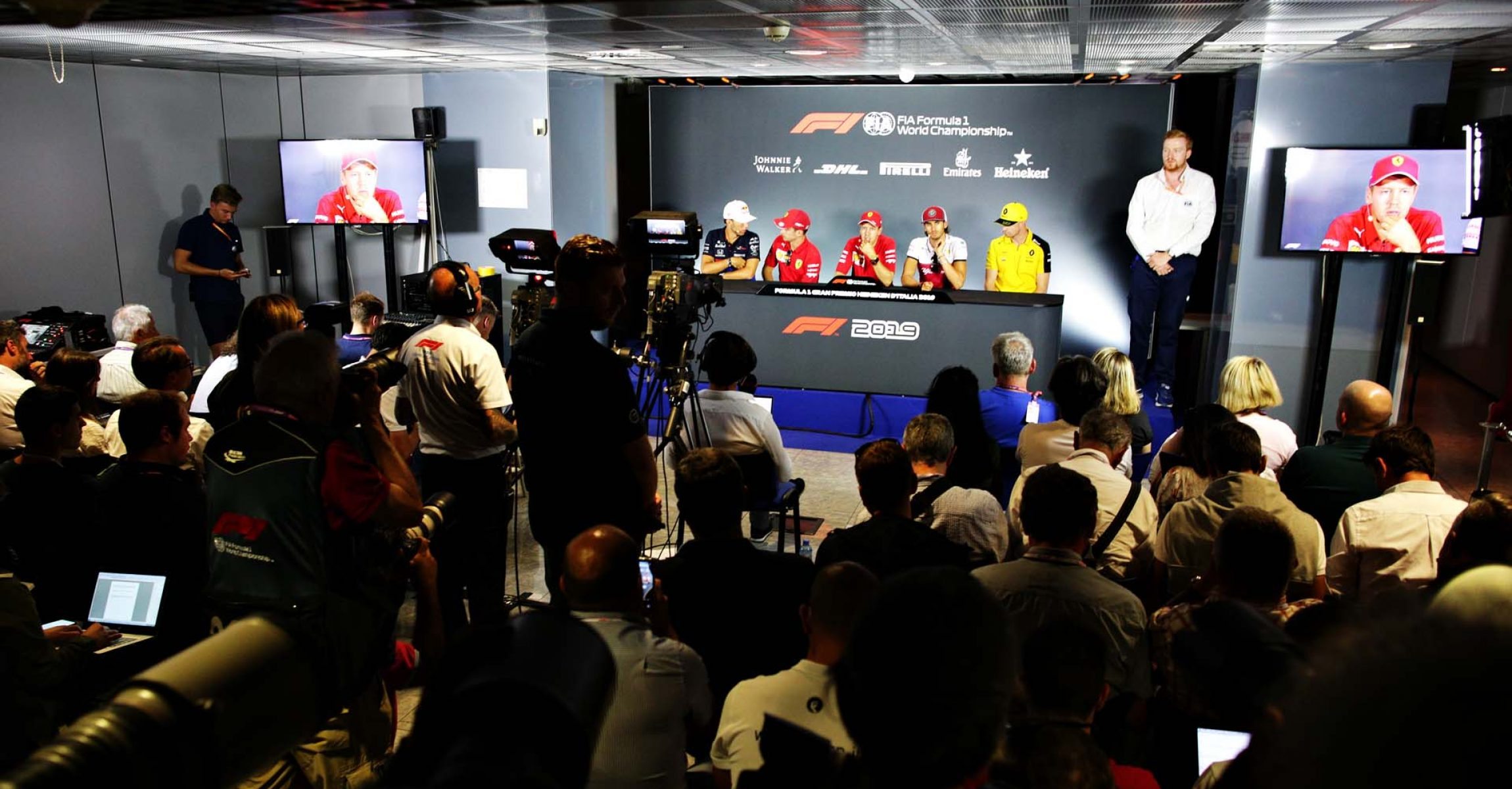 MONZA, ITALY - SEPTEMBER 05: A general view of the Drivers Press Conference with Pierre Gasly of France and Scuderia Toro Rosso, Charles Leclerc of Monaco and Ferrari, Sebastian Vettel of Germany and Ferrari, Antonio Giovinazzi of Italy and Alfa Romeo Racing and Nico Hulkenberg of Germany and Renault Sport F1 during previews ahead of the F1 Grand Prix of Italy at Autodromo di Monza on September 05, 2019 in Monza, Italy. (Photo by Peter Fox/Getty Images) // Getty Images / Red Bull Content Pool // AP-21FU5RUB12111 // Usage for editorial use only //