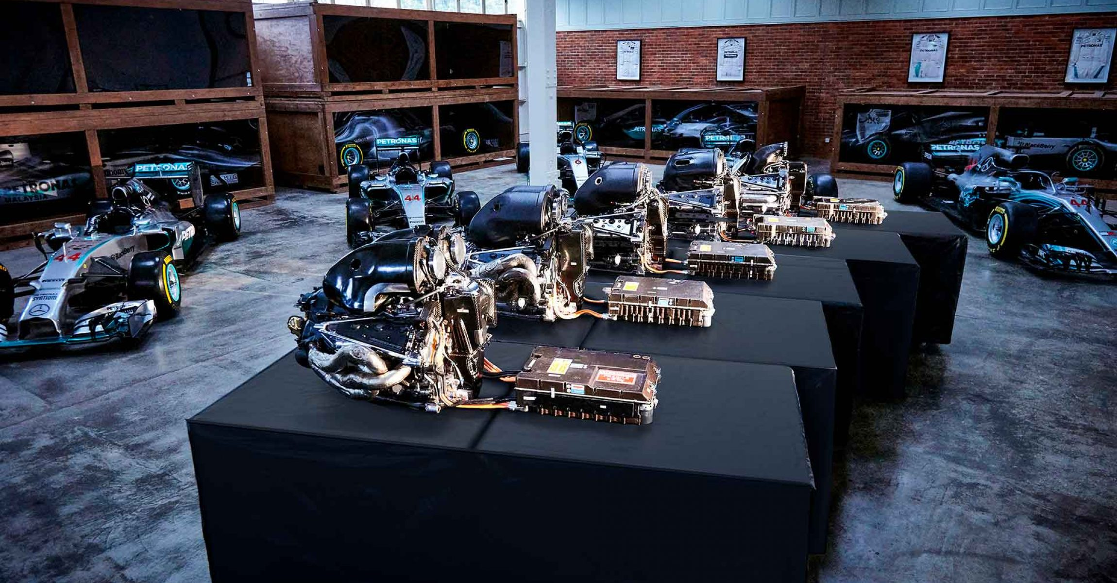 Mercedes V6 hybrid engines