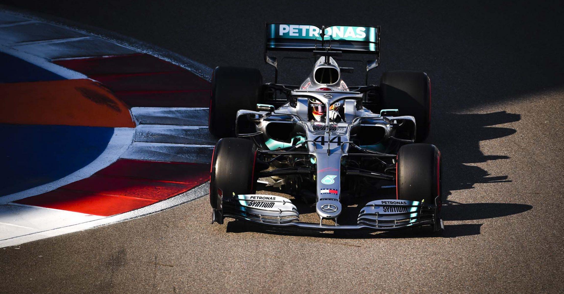 2019 Russian Grand Prix, Saturday - LAT Images Lewis Hamilton Mercedes