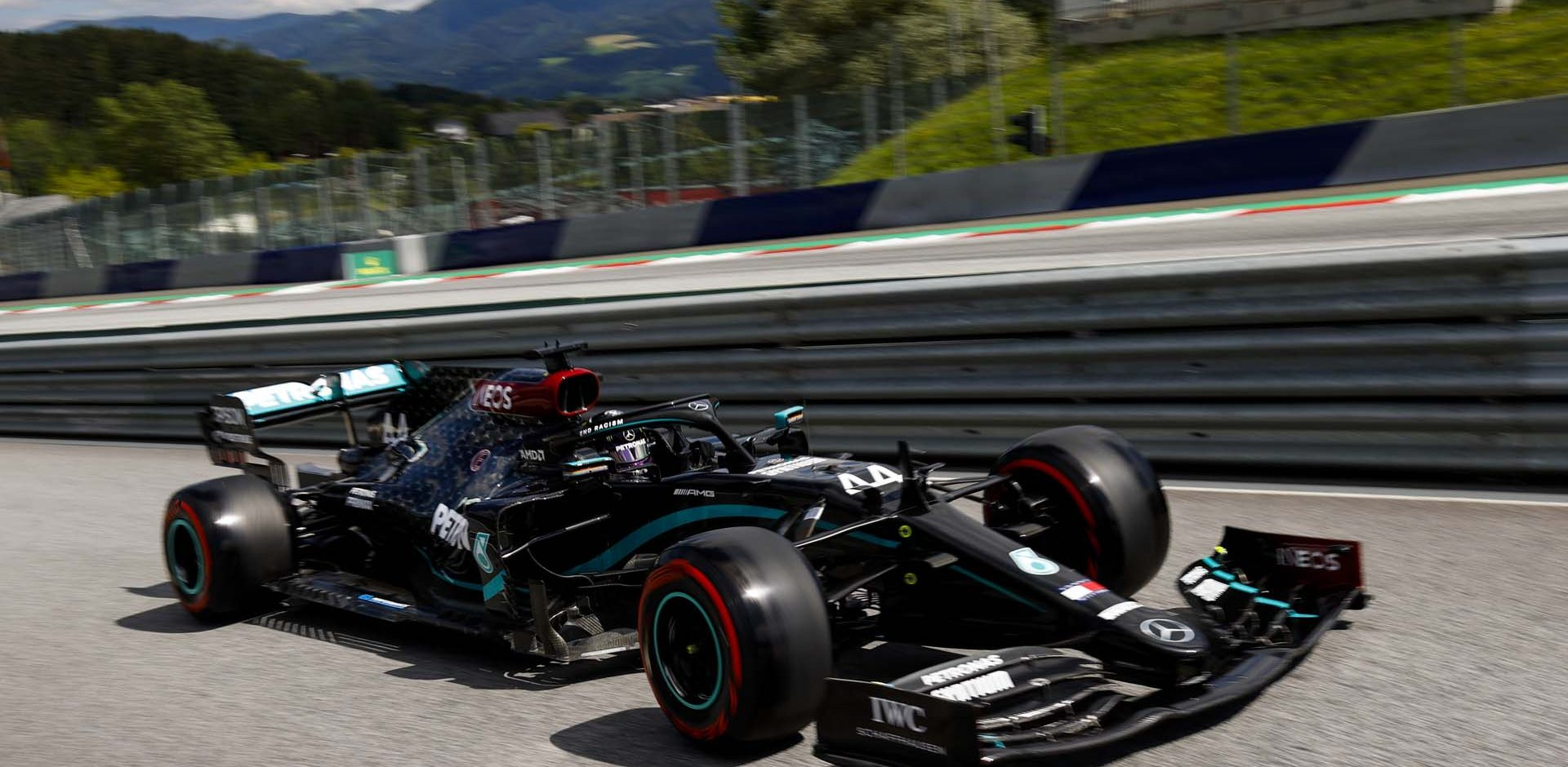 2020 Austrian Grand Prix, Saturday - LAT Images Lewis Hamilton Mercedes