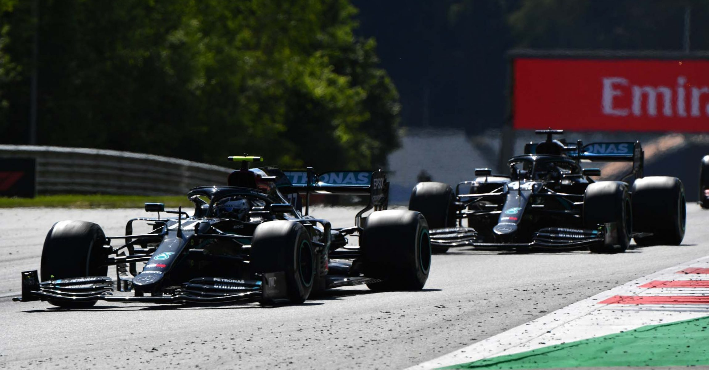 2020 Austrian Grand Prix, Sunday - LAT Images Valtteri Bottas Lewis Hamilton Mercedes