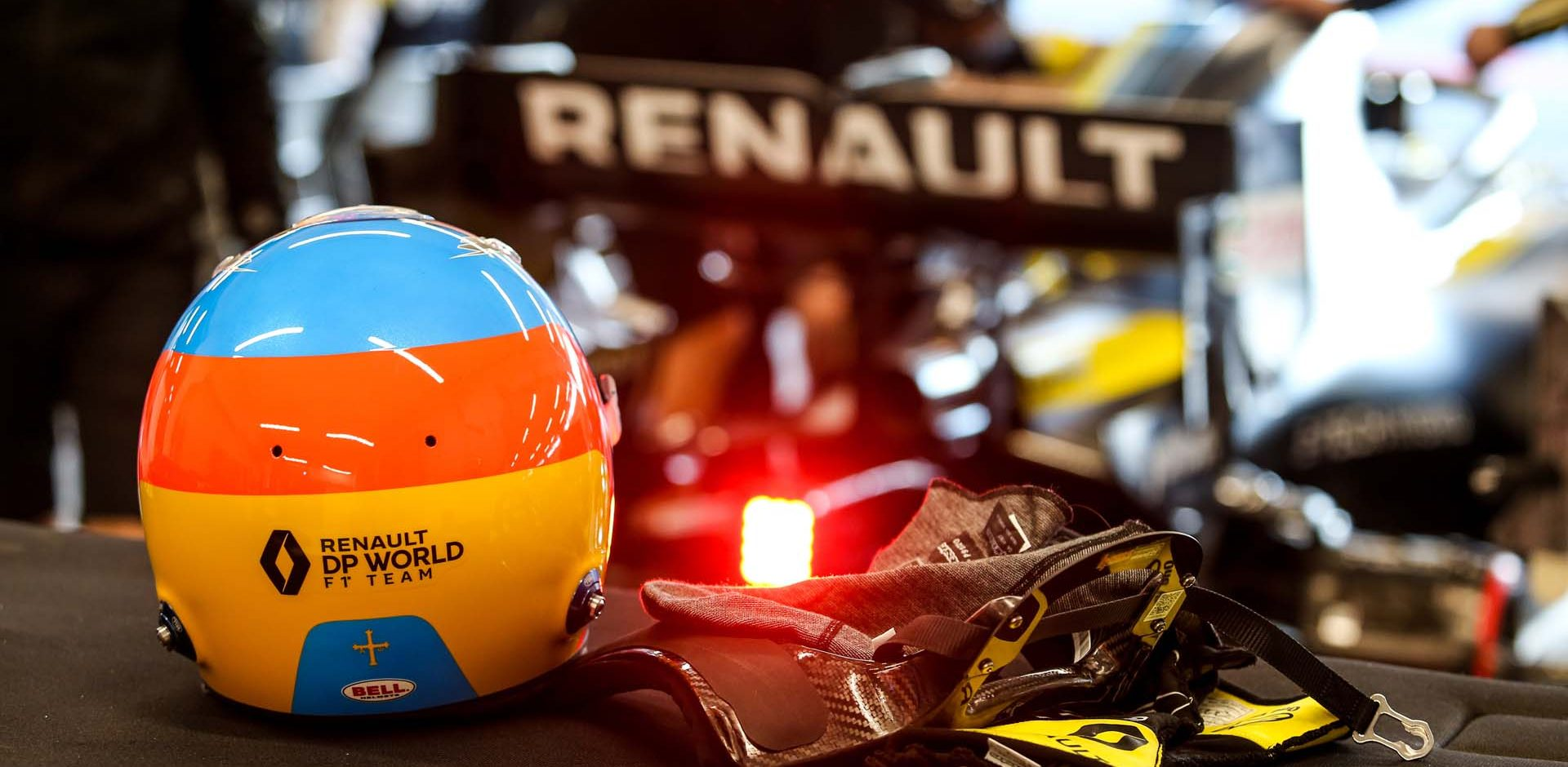 The helmet of Fernando Alonso (ESP) Renault F1 Team. Renault F1 Team Film Day, Tuesday 13th October 2020. Barcelona, Spain.